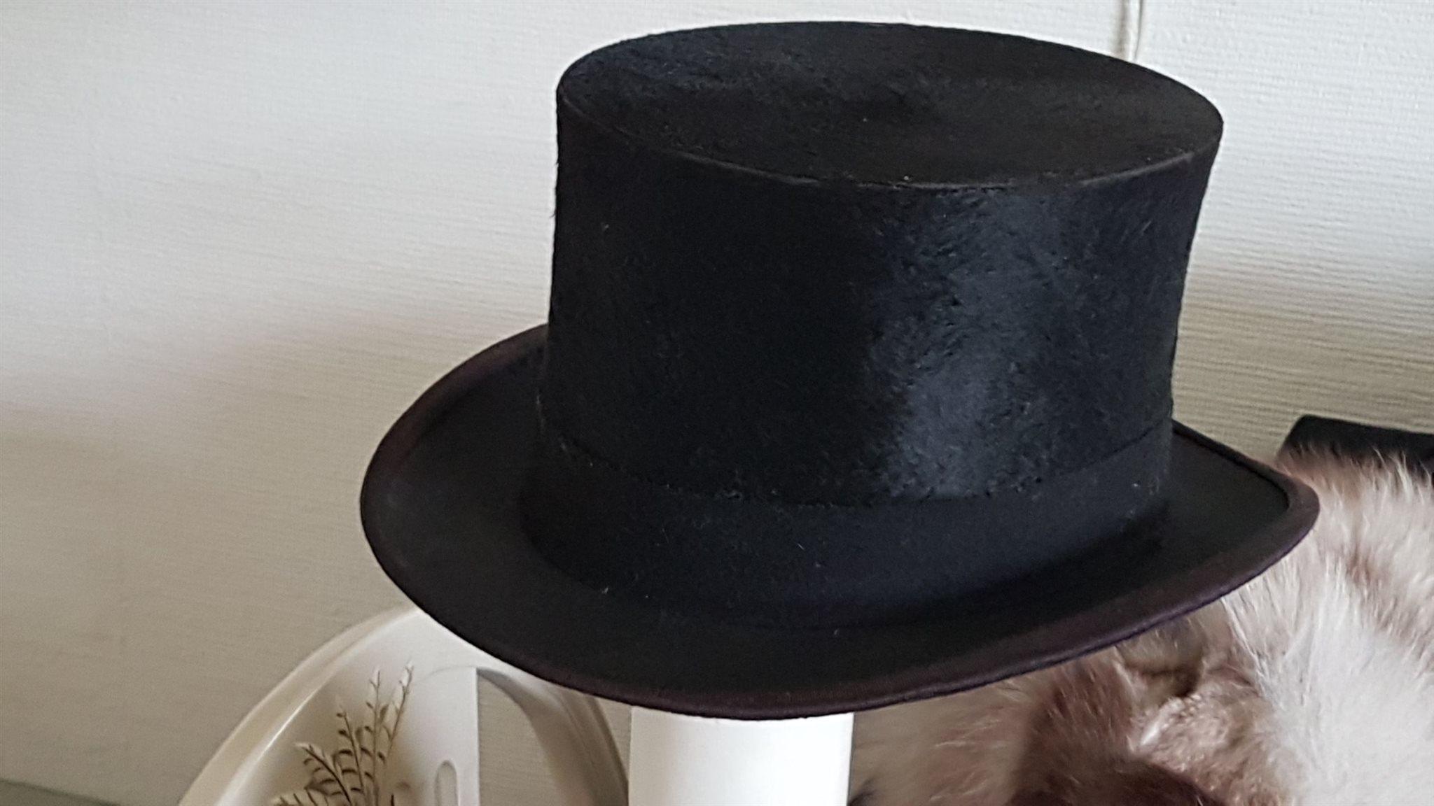 Elegant Hög Hatt NON PLUS ULTRA svart ull storm.. (331578107) ᐈ Köp ... f9b8550d47dbd