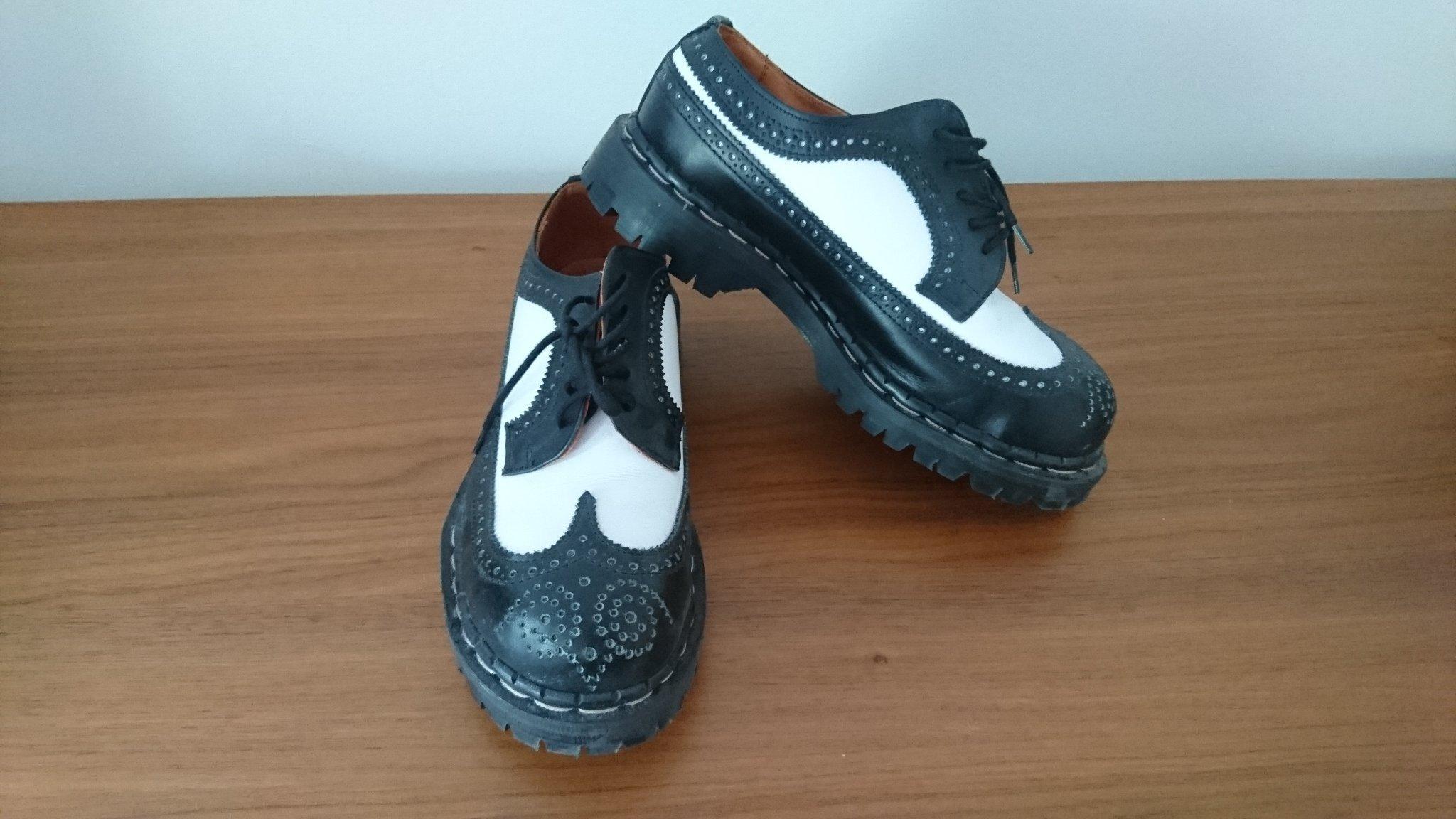 köpa billiga skor från england
