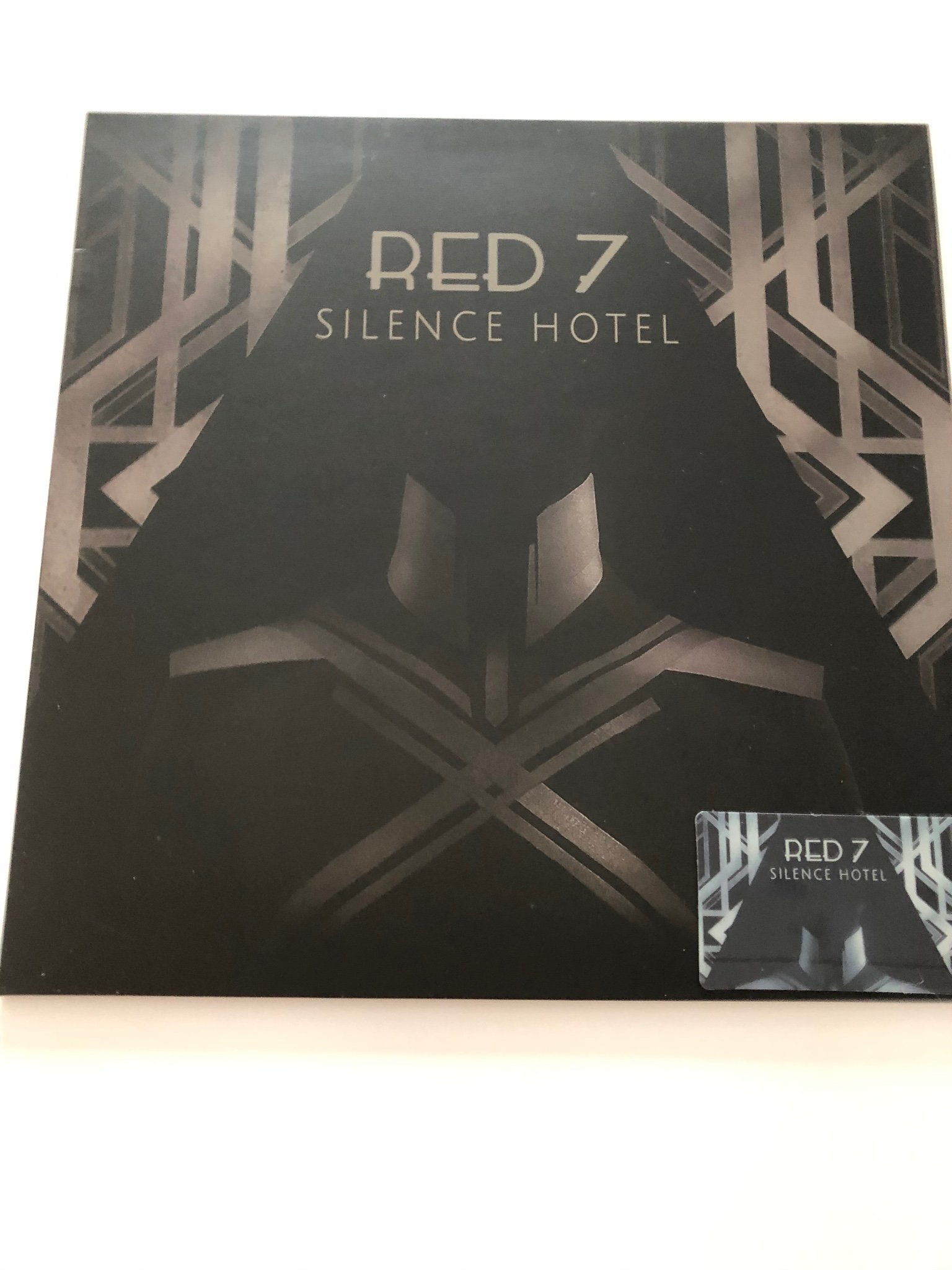 Red 7 Silence hotel