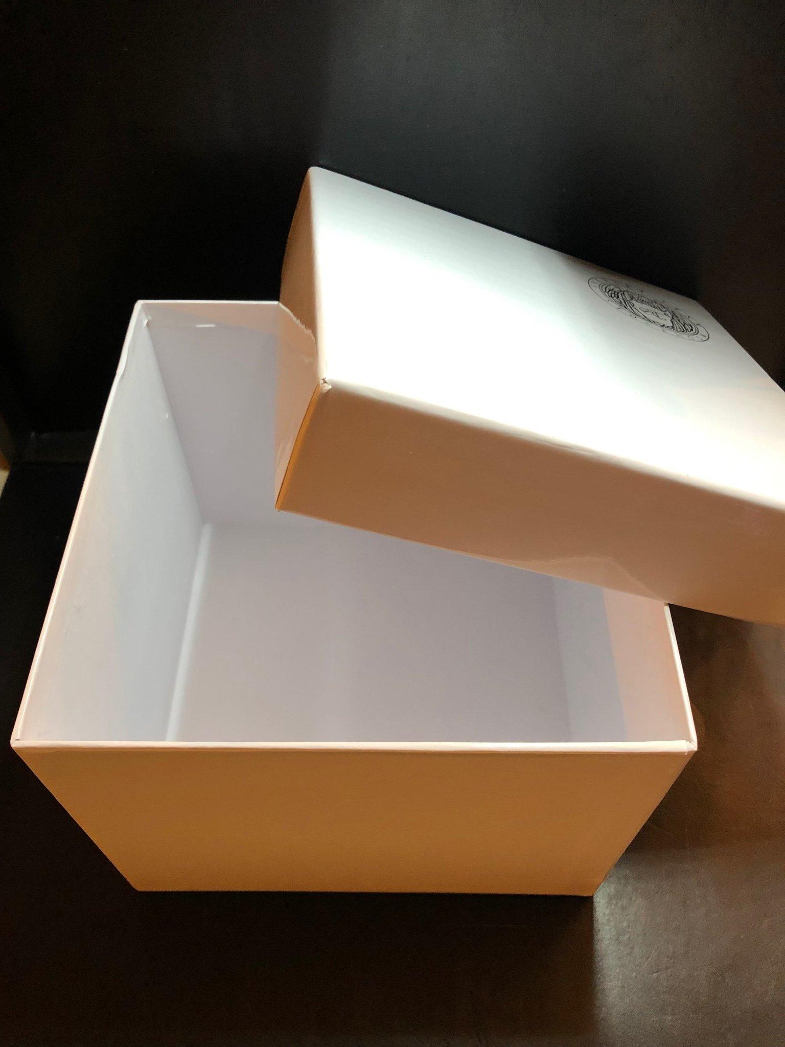 Välkända Firma Svenskt Tenn Present, låda, kartong, ask,.. (363366977) ᐈ PN-63