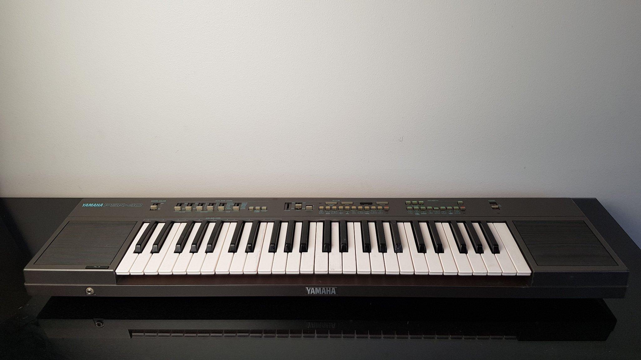 Yamaha PSR-40 Keyboard (364385931) ᐈ Köp på Tradera