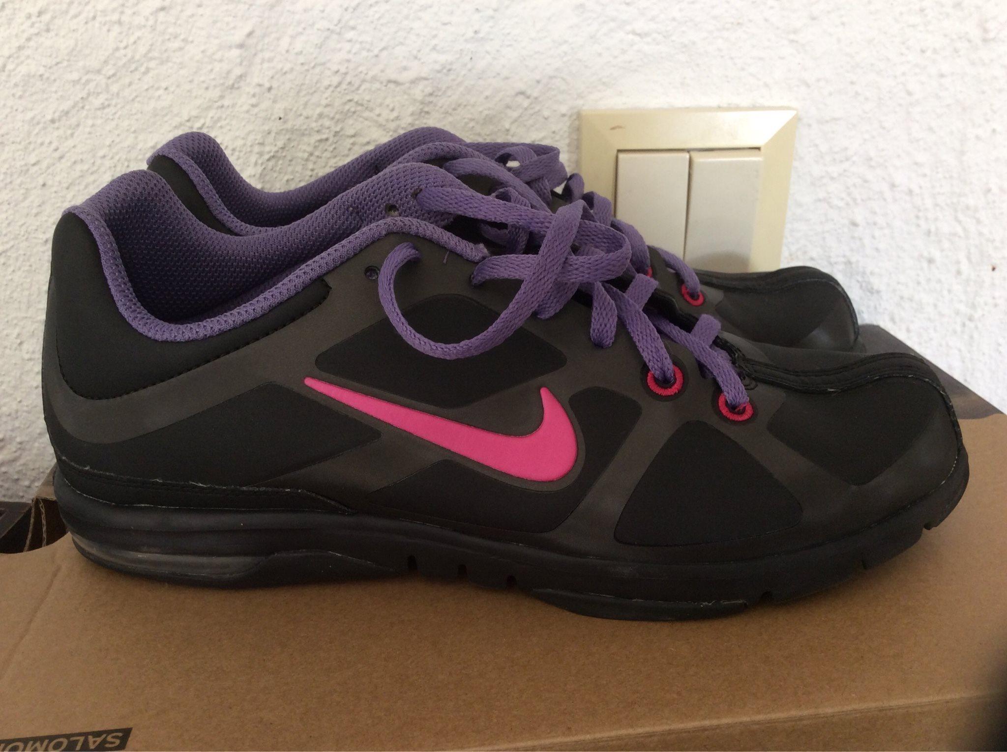 new concept 01bd6 44b8c Nike Air Max skor i storlek 38. Nyskick!