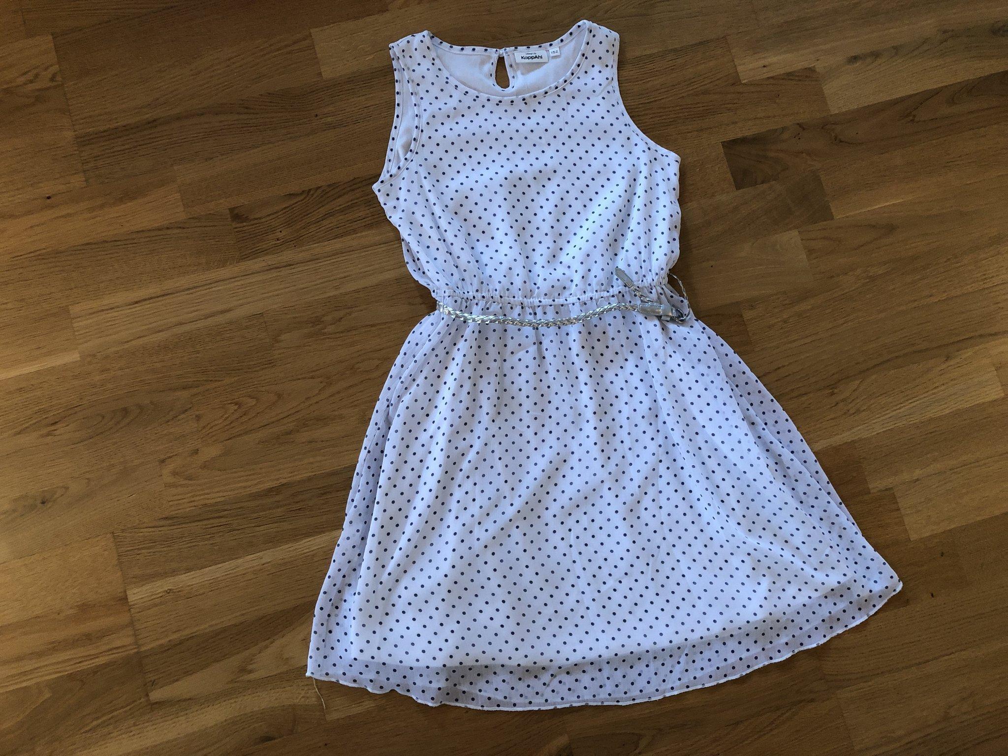 78c66df3ff39 Vit klänning med blå prickar från KappAhl stl.1.. (354621141) ᐈ Köp ...