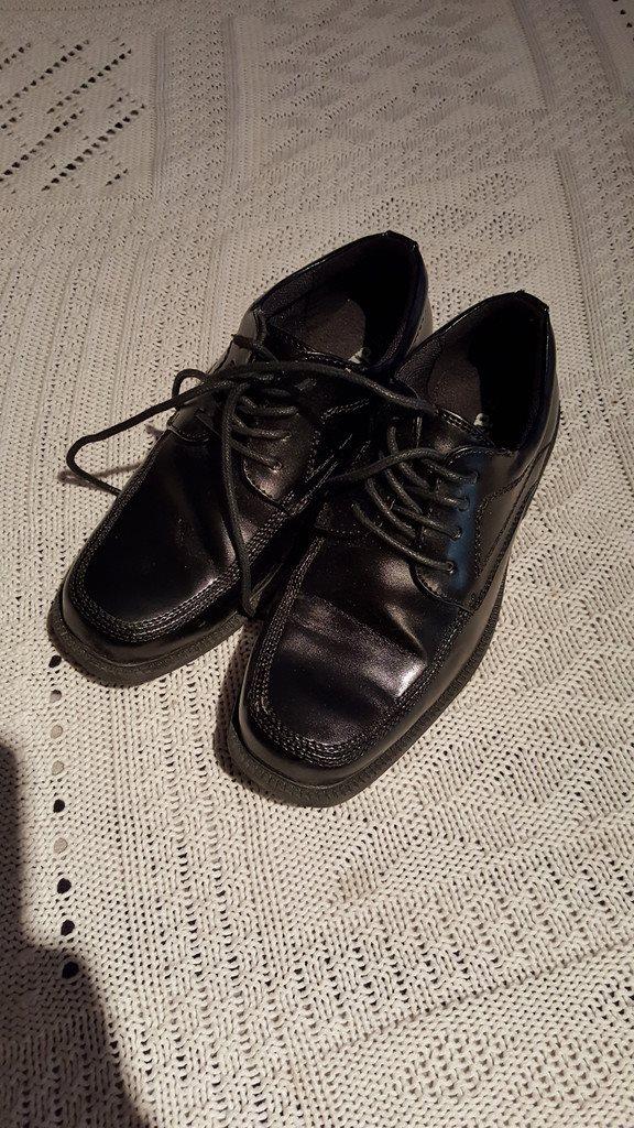 Helt nya svarta finskor - lack - stl 32 - din sko (289478297) ᐈ Köp ... 2ebb8899ec5f3