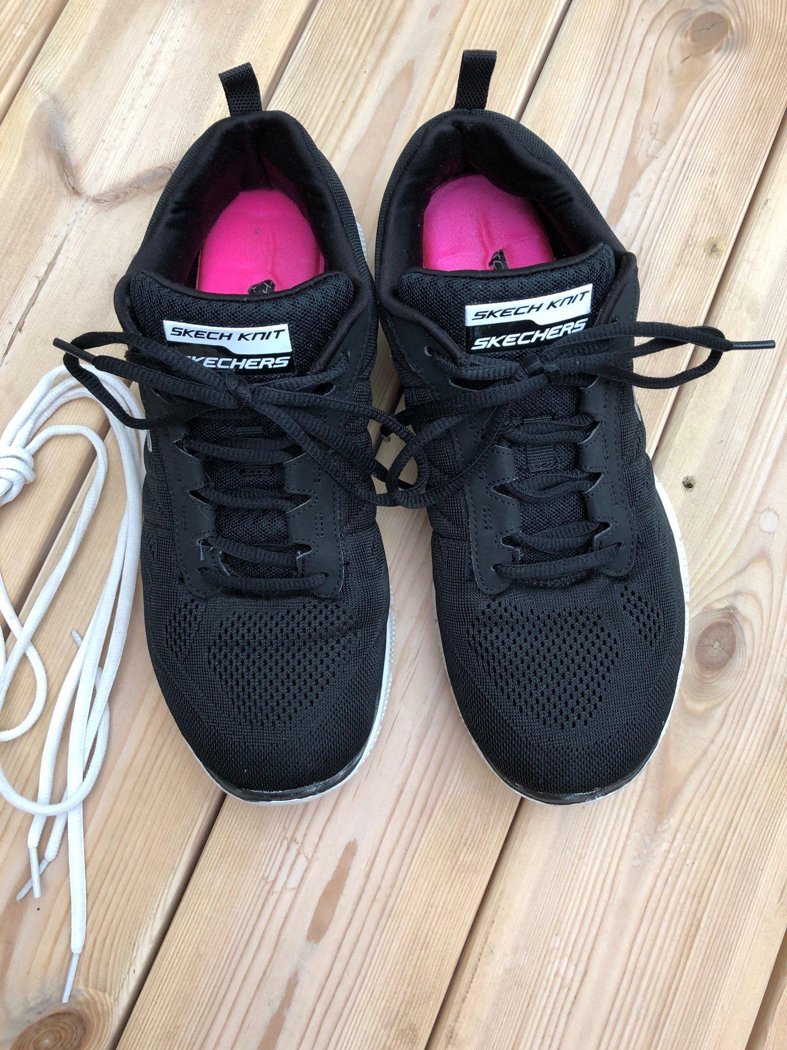 Gasformig Bekräftelse Monark  Skechers skor i storlek 40 skor online | FOOTWAY | Skor