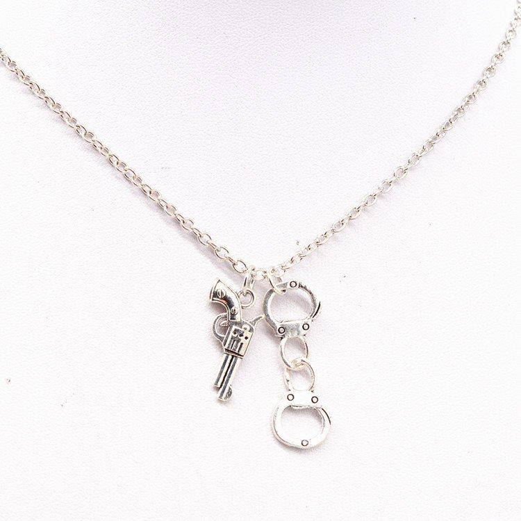 feminist halsband silver
