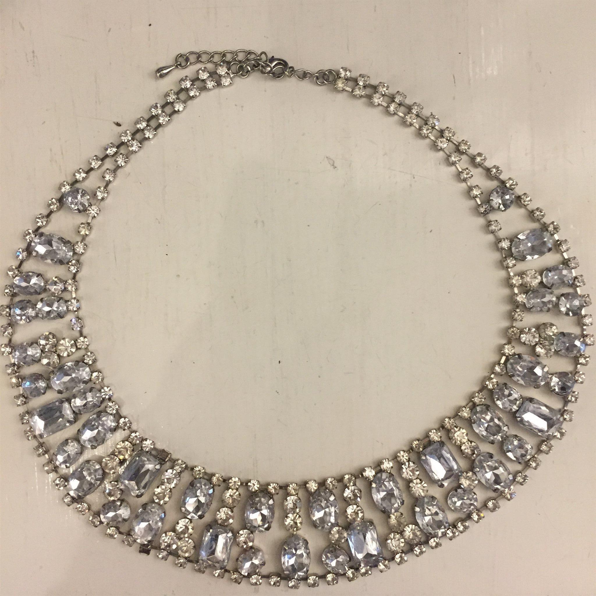 halsband från glitter