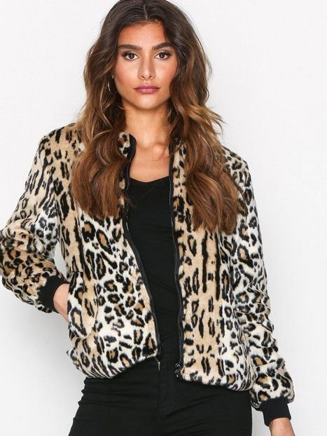Sisters point faux fur leo jacket