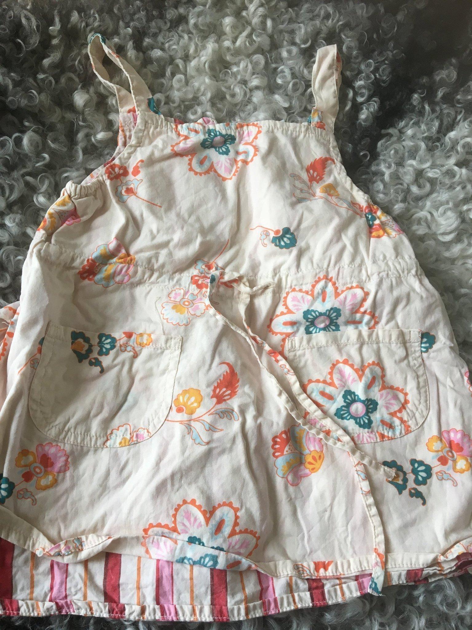 52ec9e14c8d5 Söt somrig klänning i st 74. 100% bomull (354620020) ᐈ Köp på Tradera