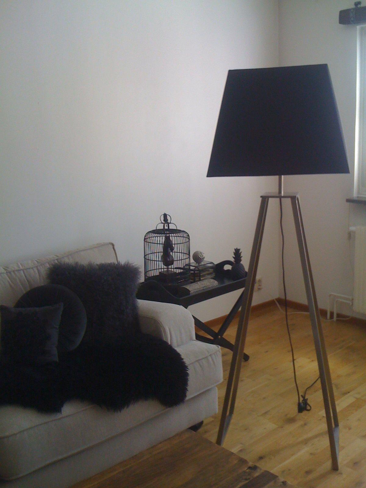 Stor Golvlampa Golvlampa Frn 3040talet Med Kobraformad Arm Och Stor Plisserad Lampskrm 160 Cm