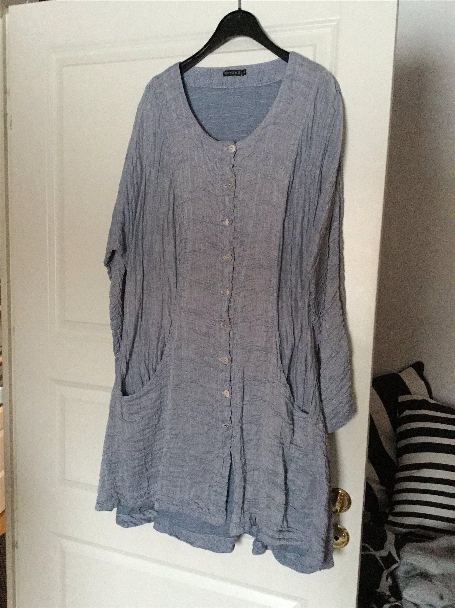 5b24fd6f77d7 Gråblå klänning/jacka Grizas storlek M. (337351954) ᐈ Köp på Tradera