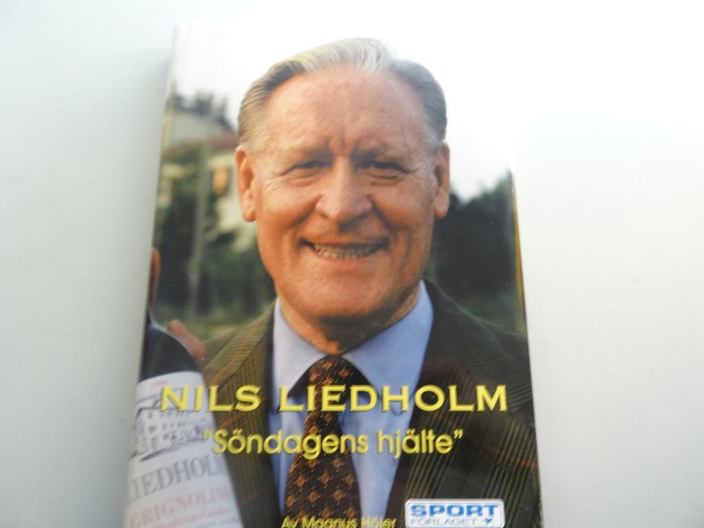 Nils Liedholm on Tradera Fotbollsböcker