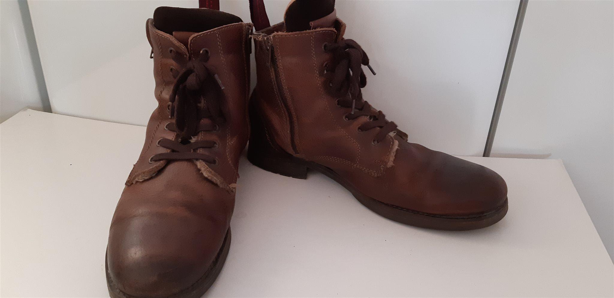 fcefcb0a402 LEGEND varma vinterskor/boots/kängor pälsfoder i äkta läder Strl. 43 ...