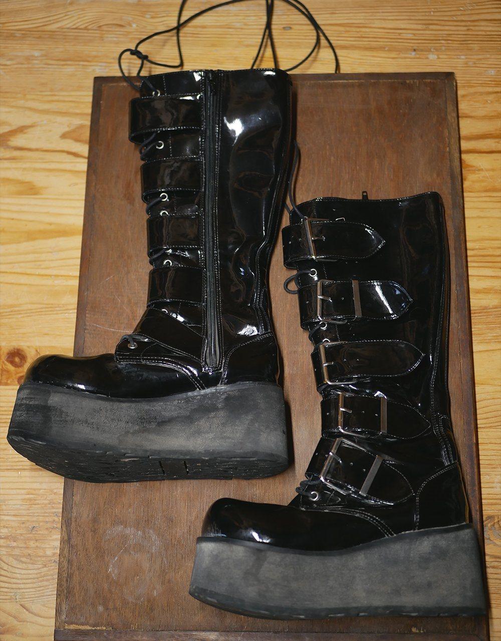 b9323c4a5bb Svarta platå boots kängor lack - stl 38 - Goth .. (344042192) ᐈ Köp ...