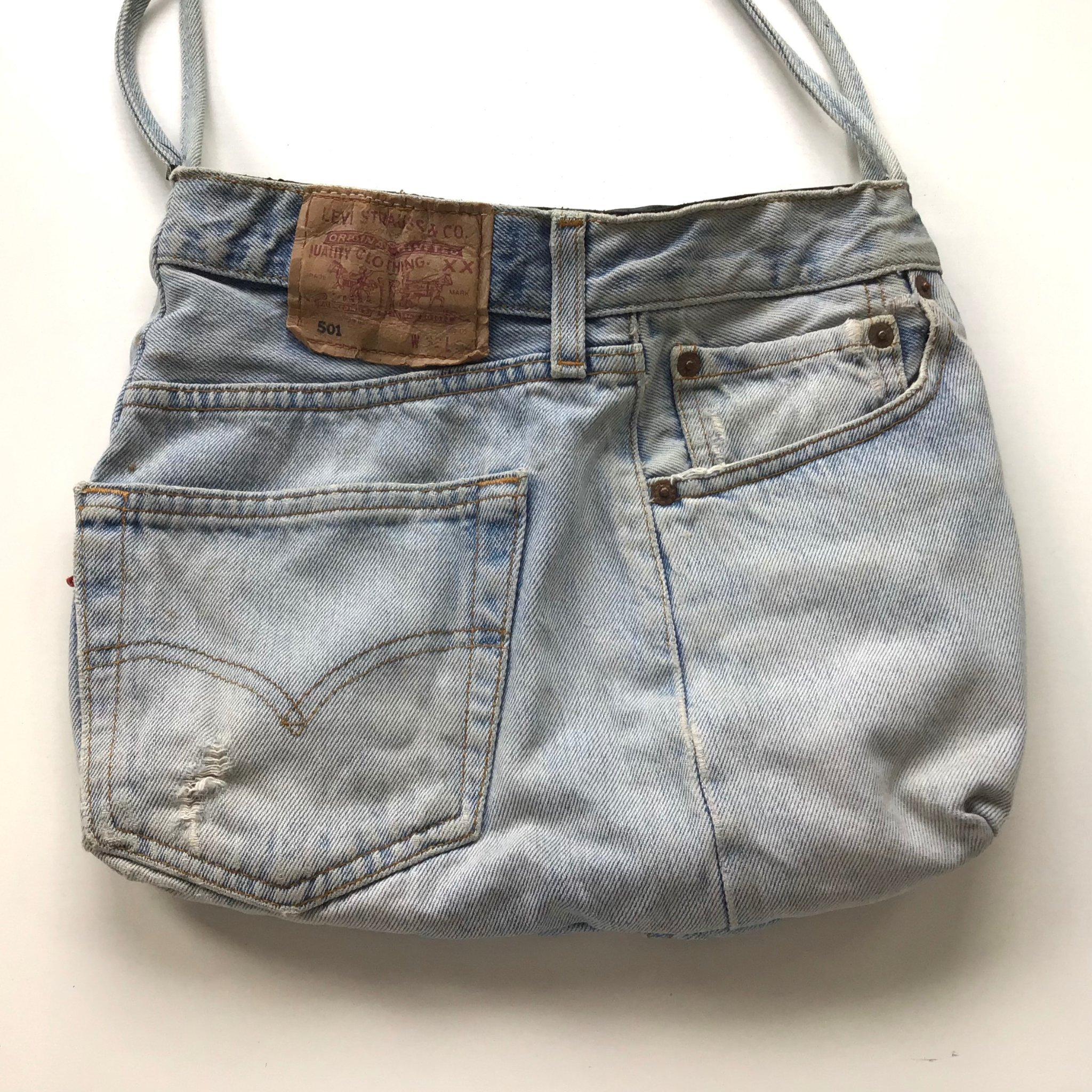 Väska av jeanstyg, återbruk, Sydd av Levis jeans, ficka, ljusblå, blå, handväska