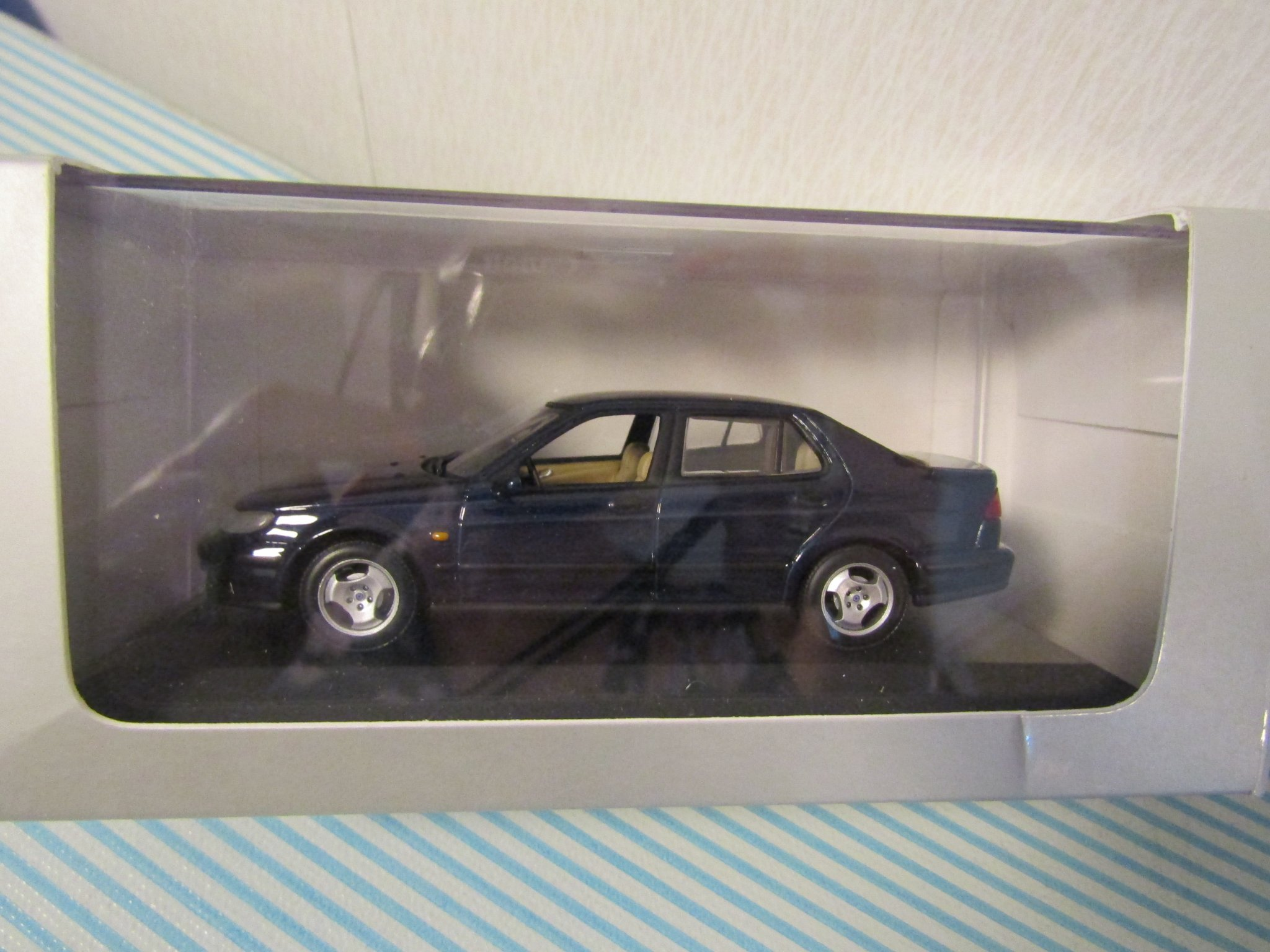1;43 SAAB 9-´5 svart - Saab Mod. Collection Minichamps + box o plastkåpa