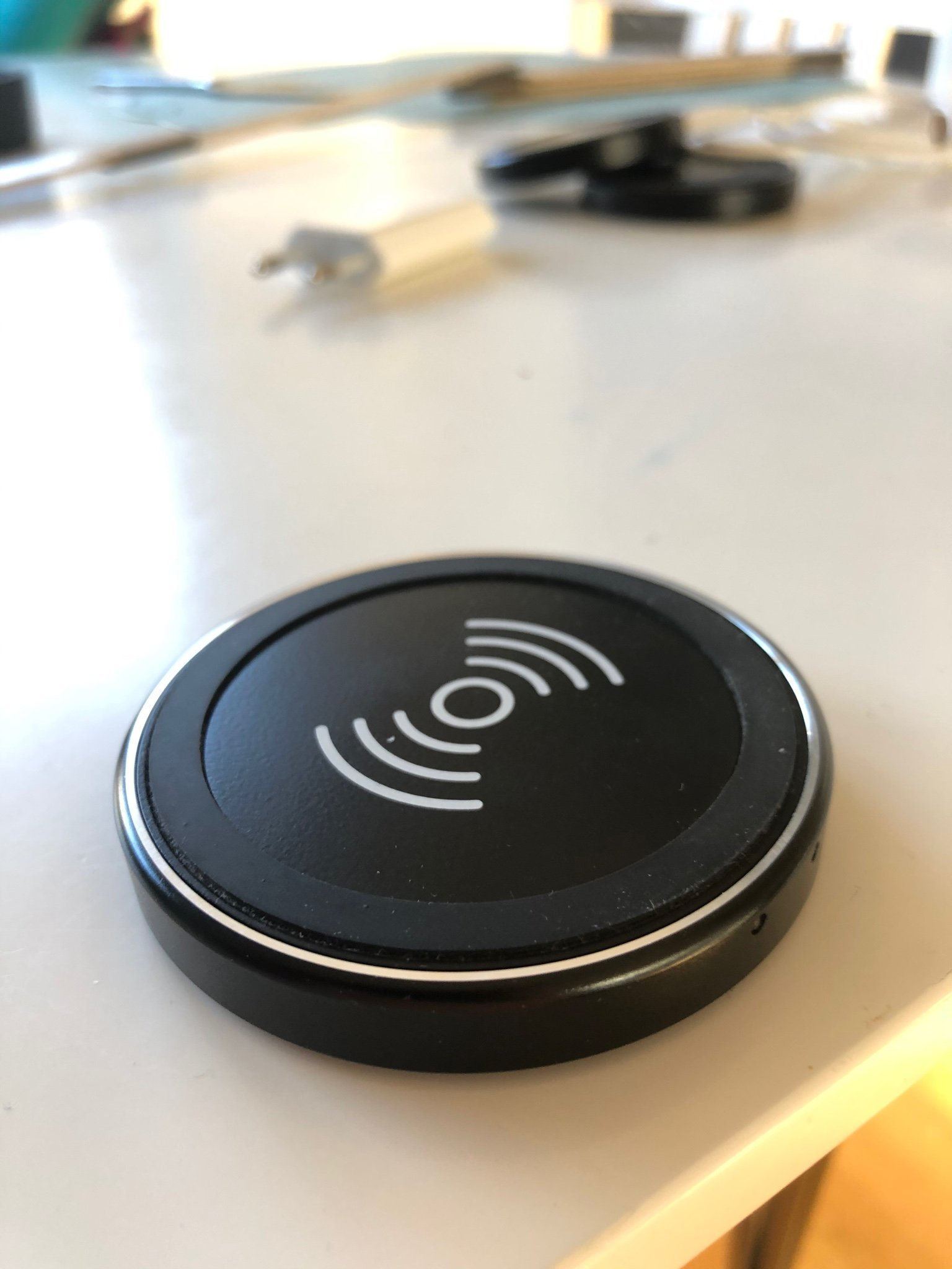 Trådlös laddare Anker QI passar iPhone och Android