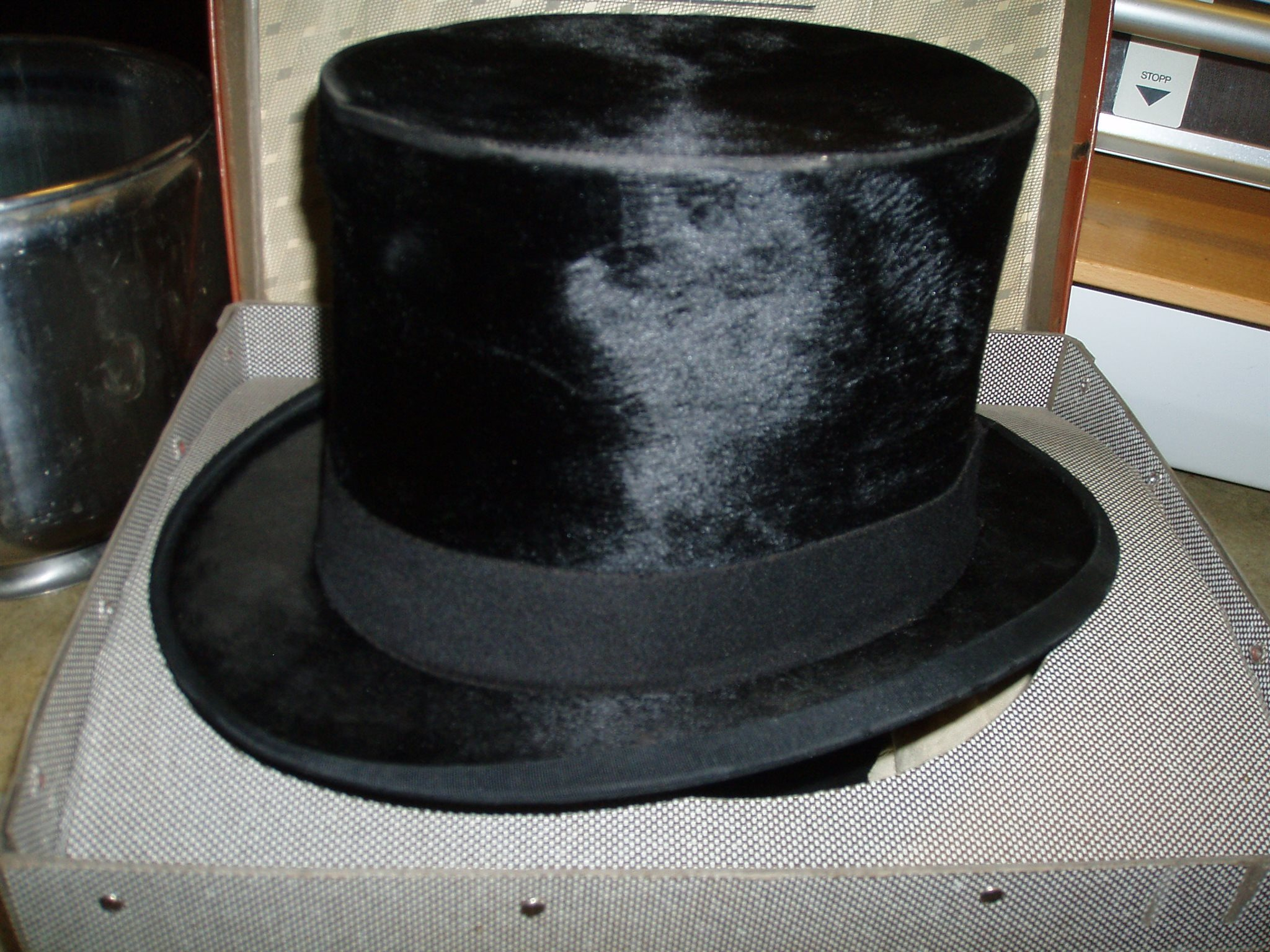 Höghatt Cylinderhatt stormhatt skorstenshatt Hög hatt -Låda sabbatskruka Cylinder 7877137d285d2