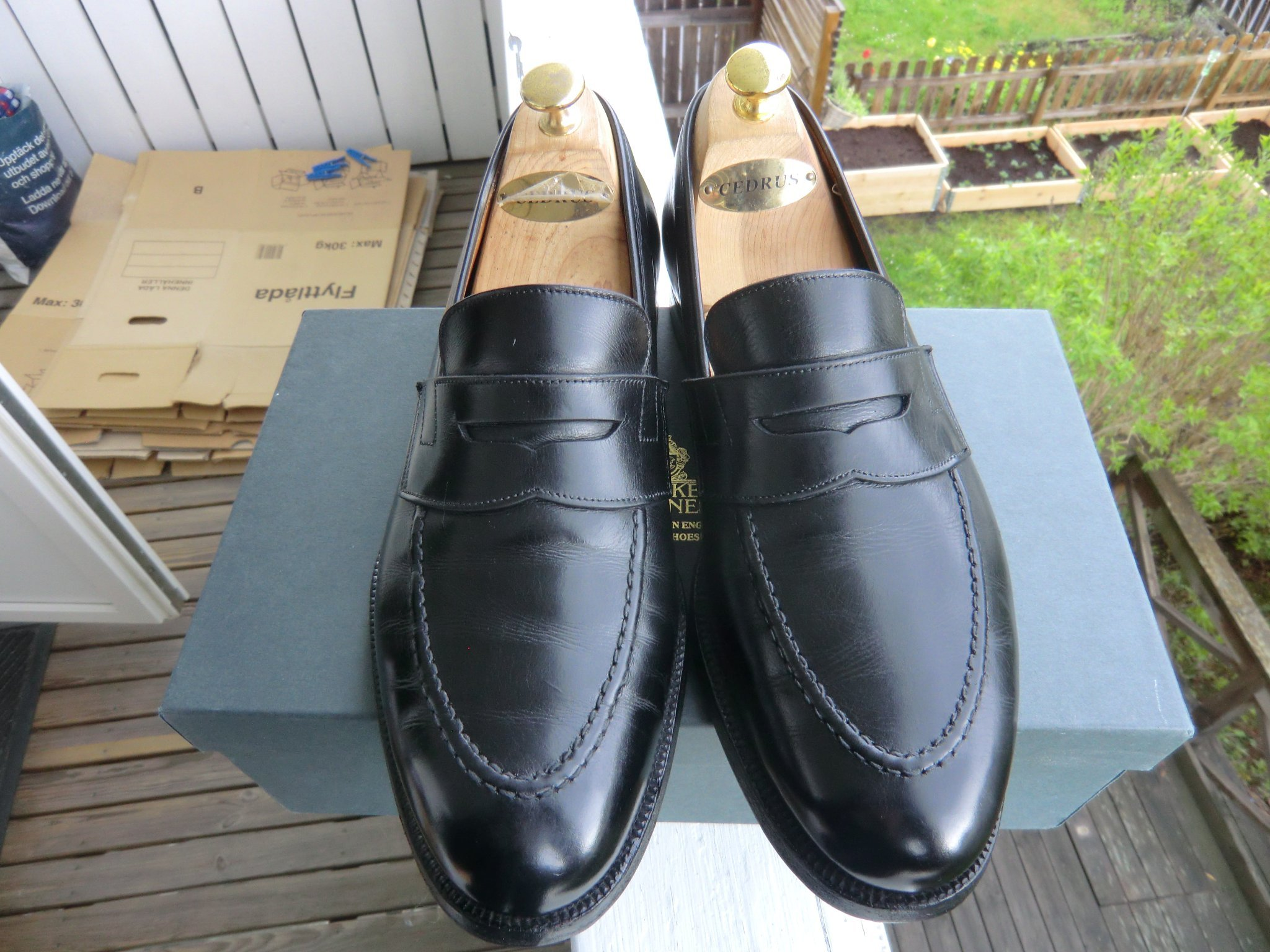 "Crockett & Jones ""Eaton"" UK 8.5 pennyloafers svarta"