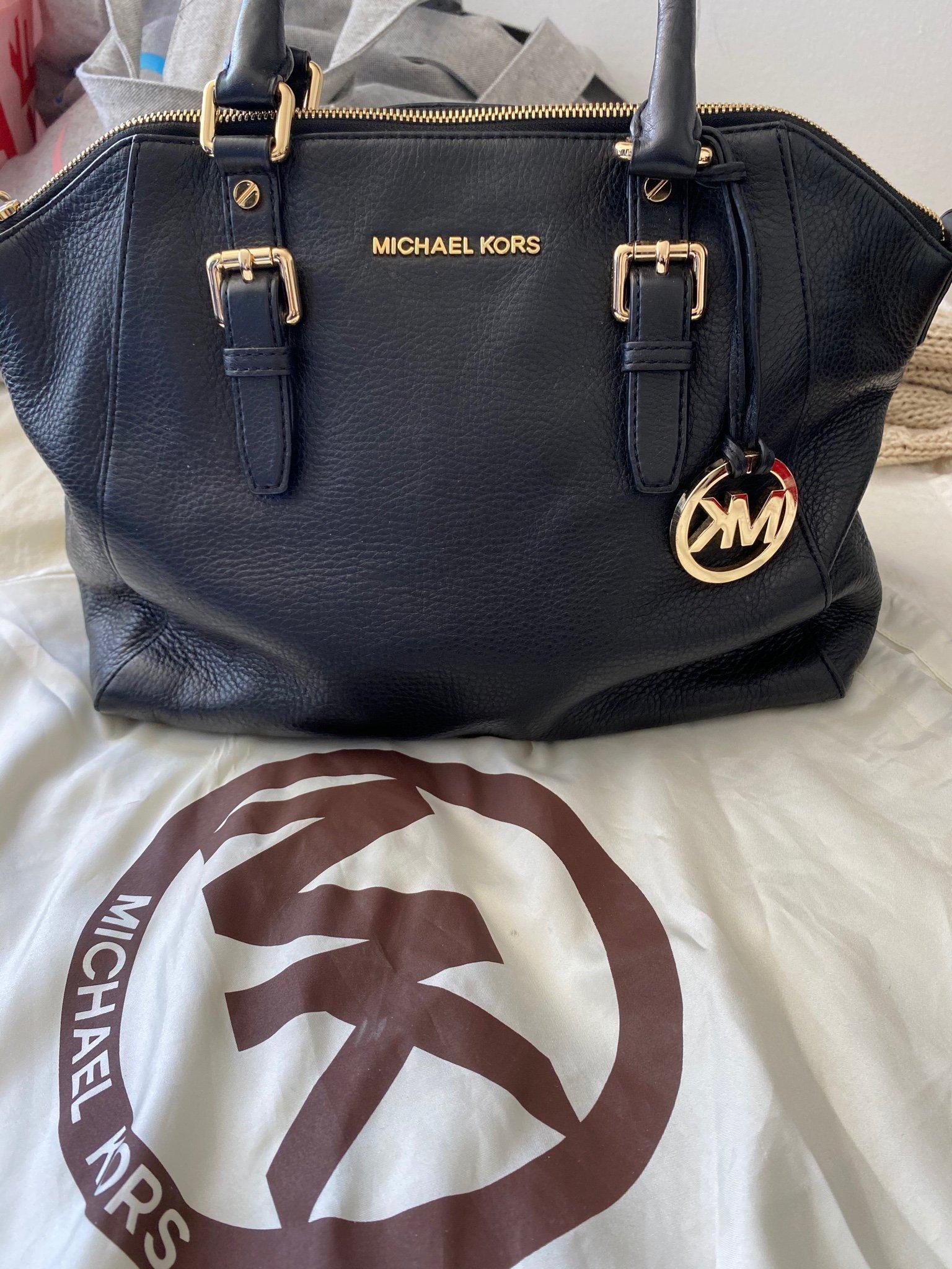 Äkta Michael Kors väska i svart läder MK påse tillkommer