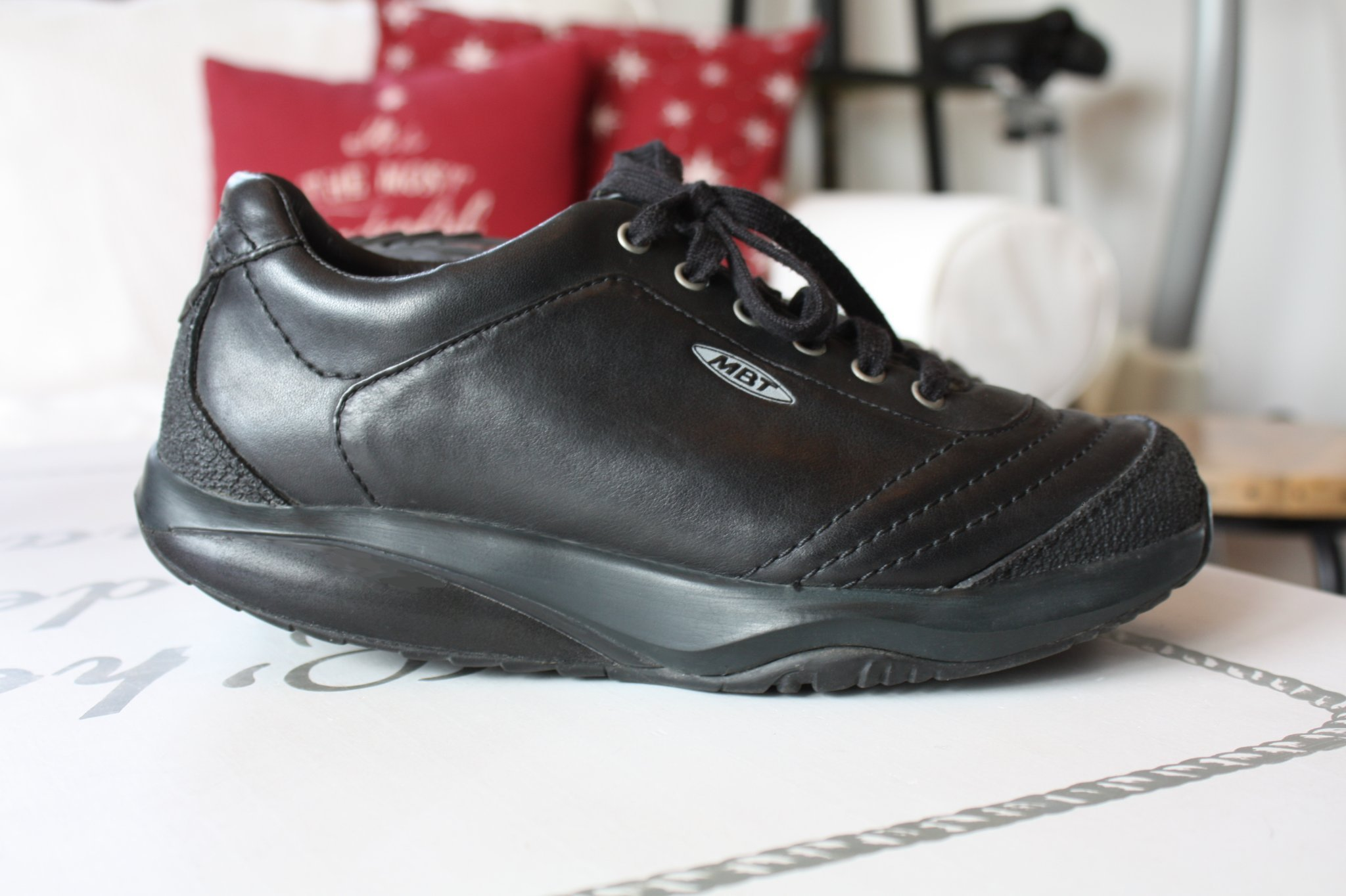 8da17fdc078 Nypris: 2599:-! Nästan NYA MBT skor i svart, st.. (347966246) ᐈ Köp ...