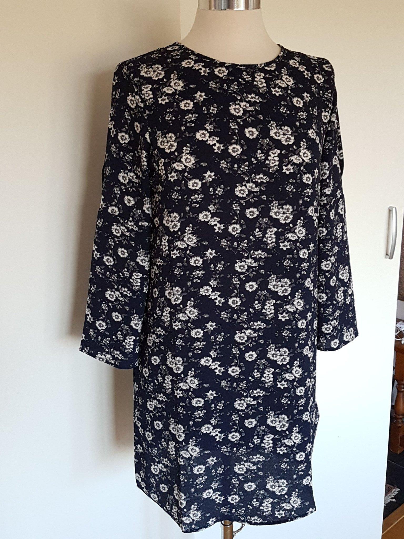 67426632562e Fin marin blommig klänning Jacqueline de Yong s.. (347308962) ᐈ Köp ...