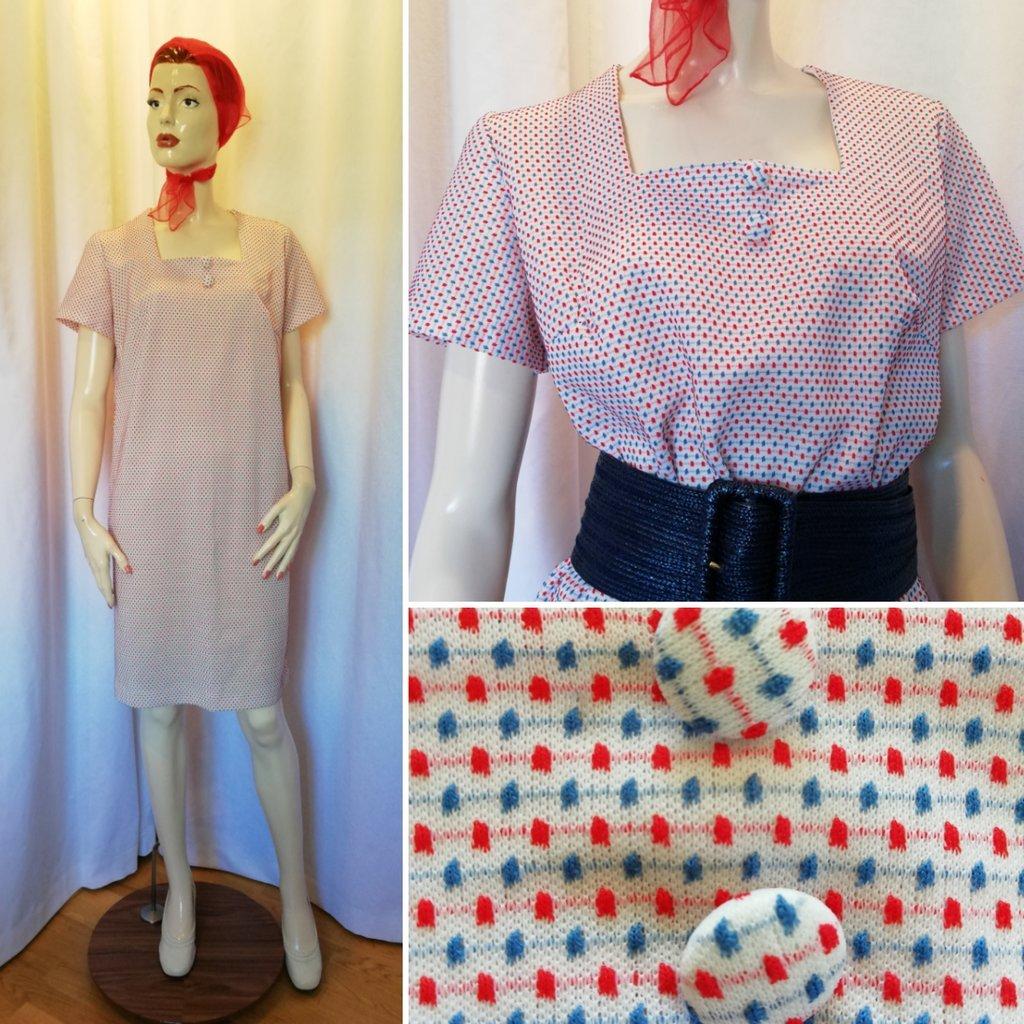 8ce9c6c0847e Vintage retro rak klänning blå-röda prickar kort arm ledig modell 60-tal ...