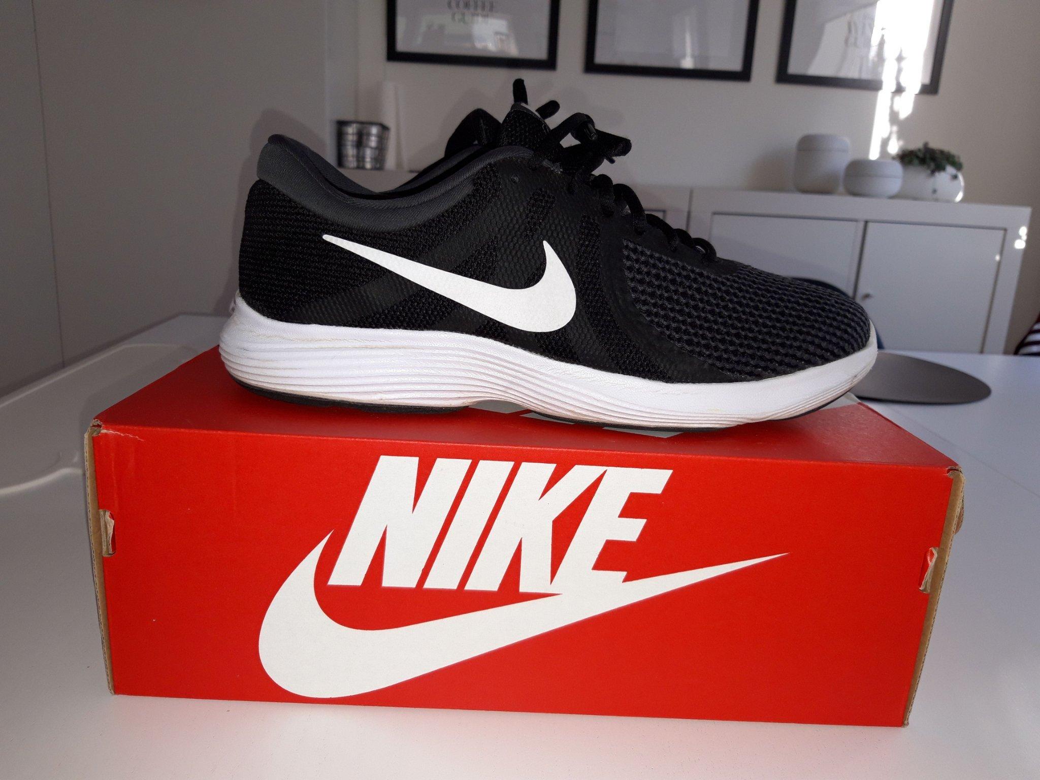 694cd3bc3de Nya Nike Skor oanvända Sneakers (351409451) ᐈ Köp på Tradera