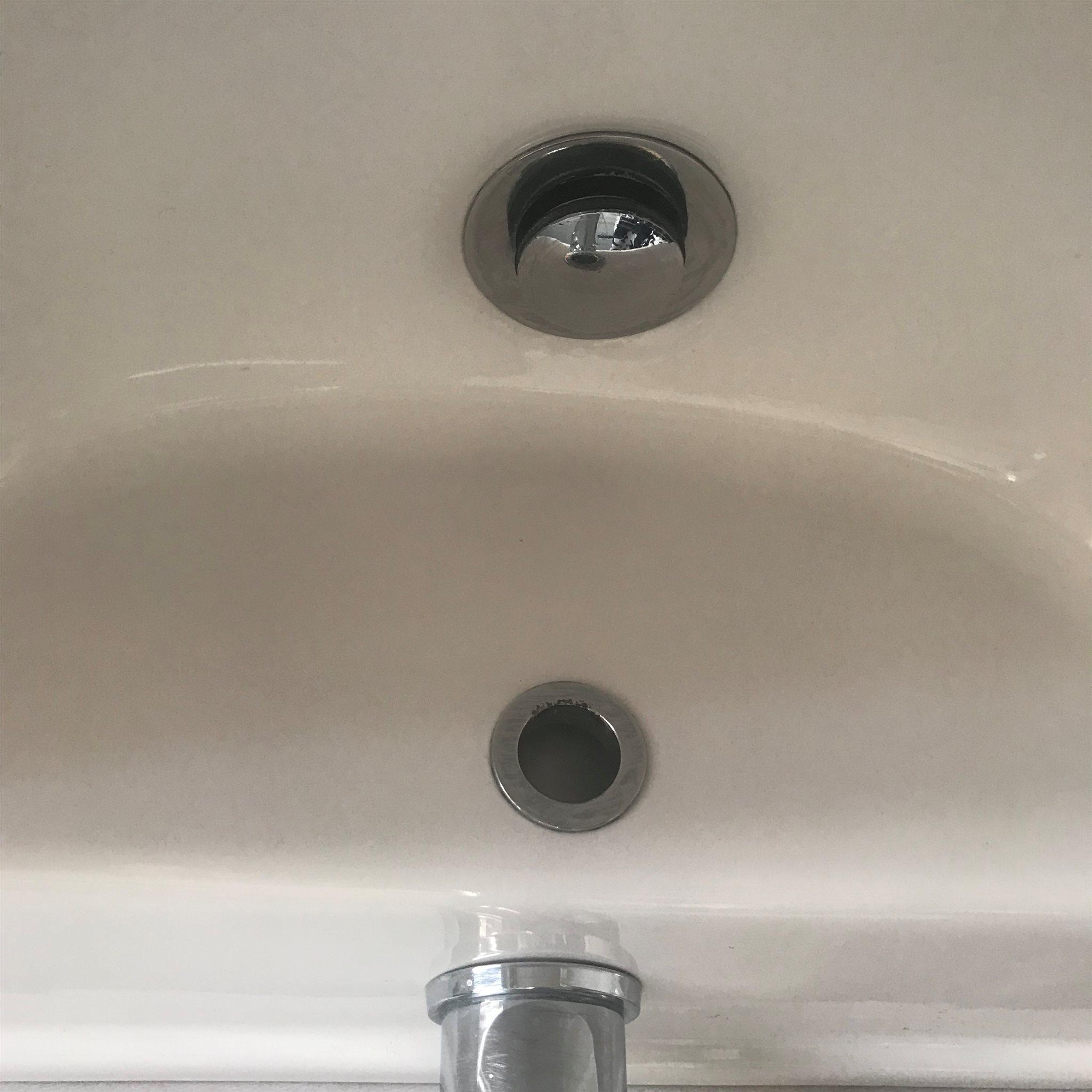 Tvättställ med med med Hafa-blandare 1dd7d2