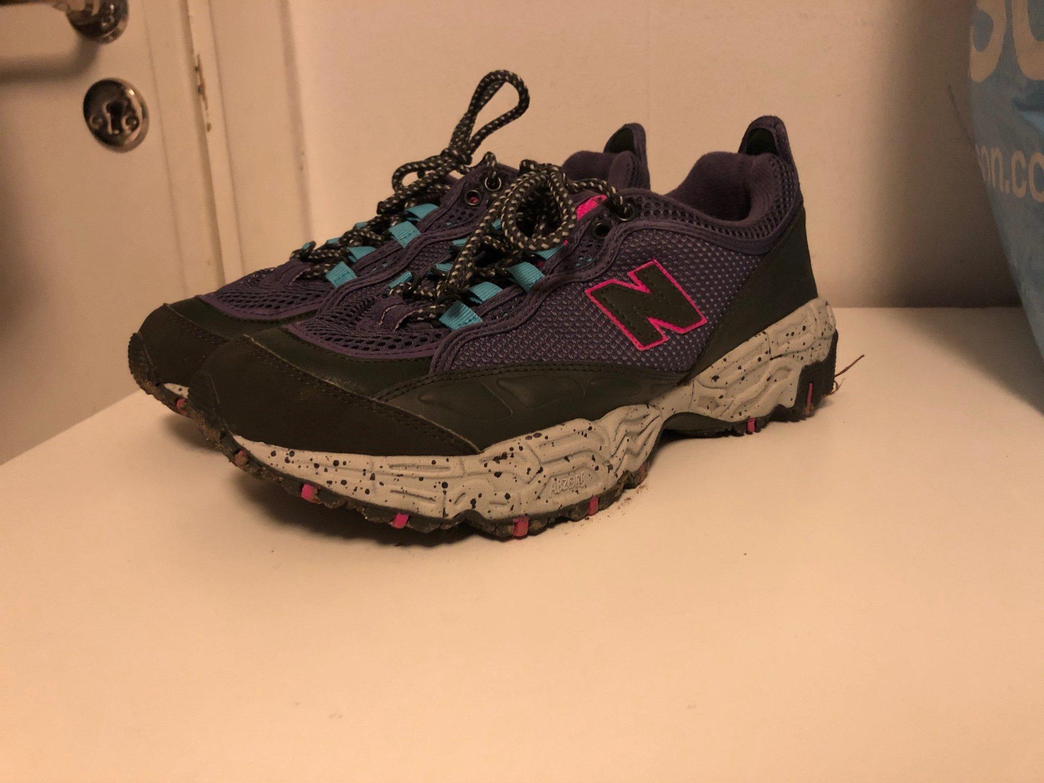 Adidas skor storlek 40 (Obs små i storleken!)