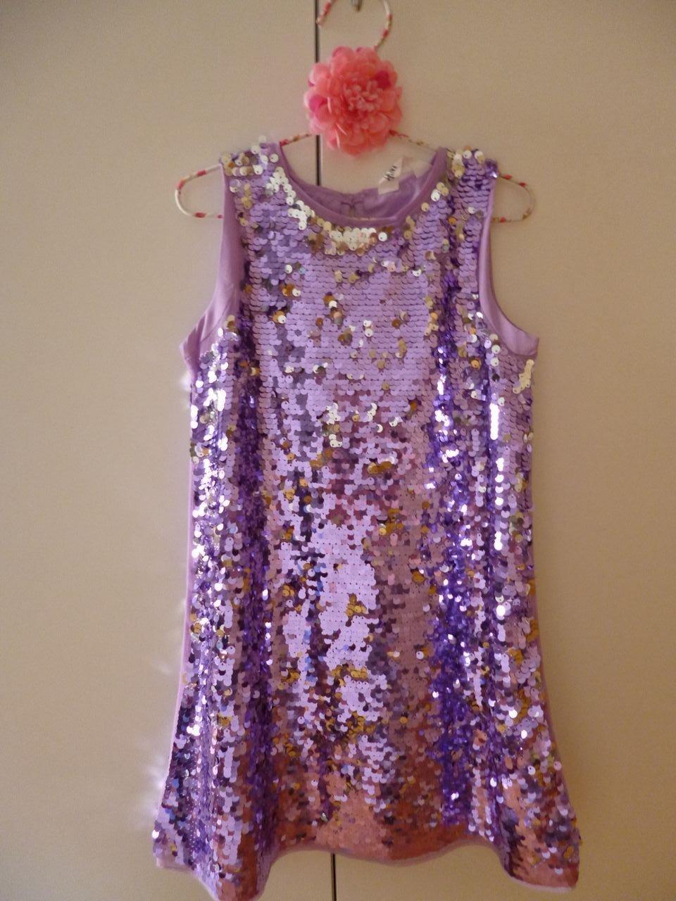 Finaste Paljettklänning H&M lila strl 122 festklänning nyår klänning paljetter