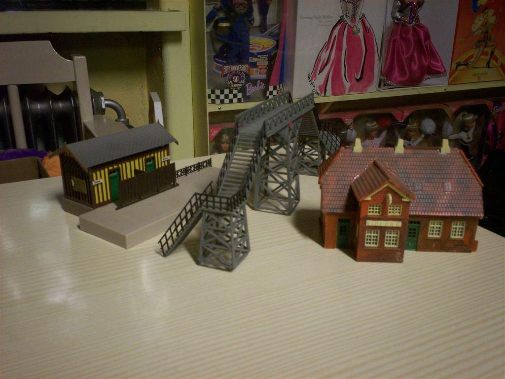 Gångbro   station   litet hus på tradera.com   hus och dekor h0 till
