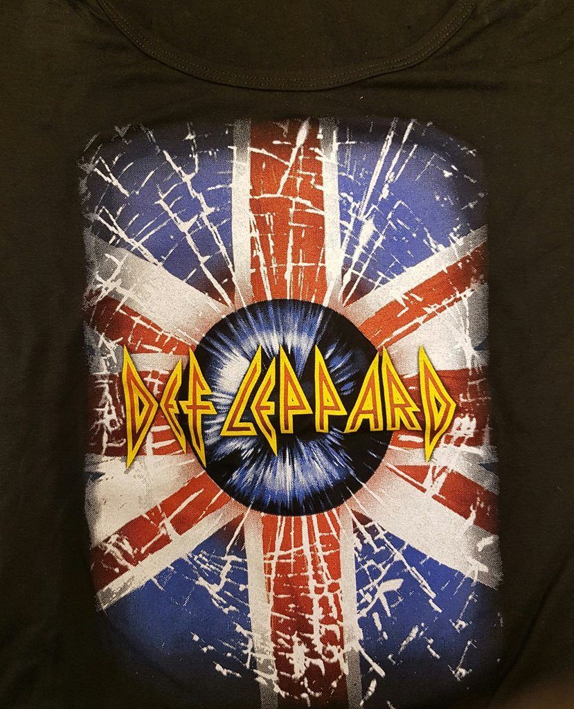 Def Leppard Girlie Medium