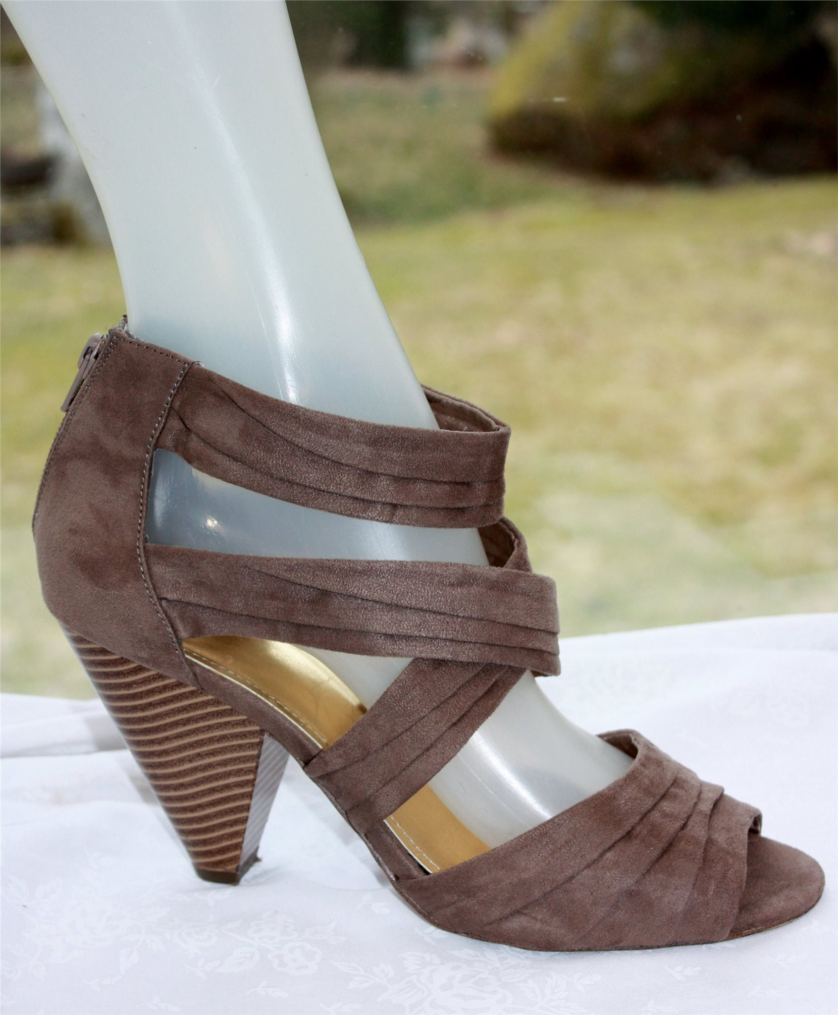 högklackat för breda fötter