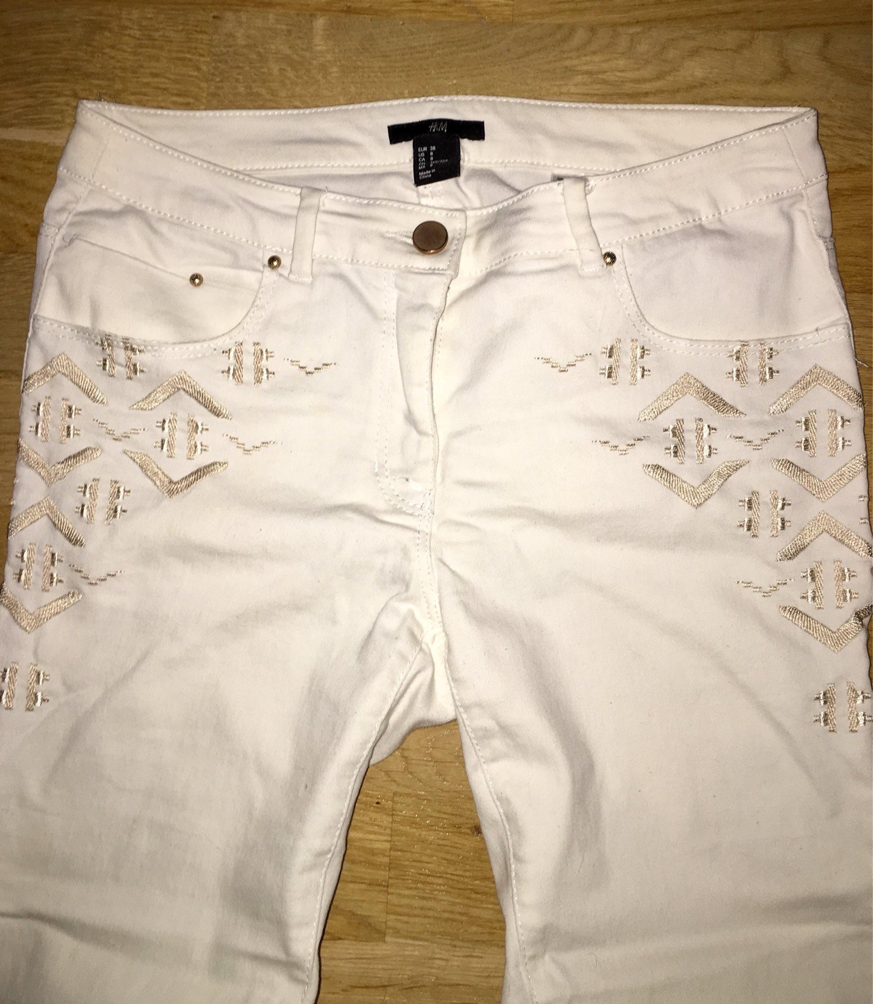 H M jeans med mönster (339151807) ᐈ Köp på Tradera e9f8091c2368a