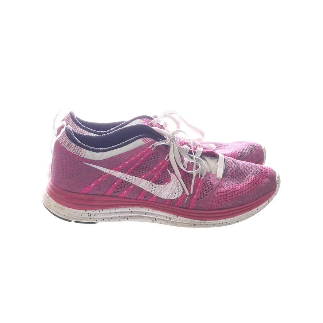 half off 32721 ee76e Nike, Träningsskor, Strl  39, Flyknit one, Rosa Vit
