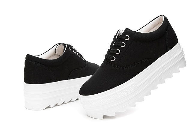 40. Svarta sneakers med 5 c.. (225503451) ᐈ Steve Art Gallery AB på ... 82499010063bc