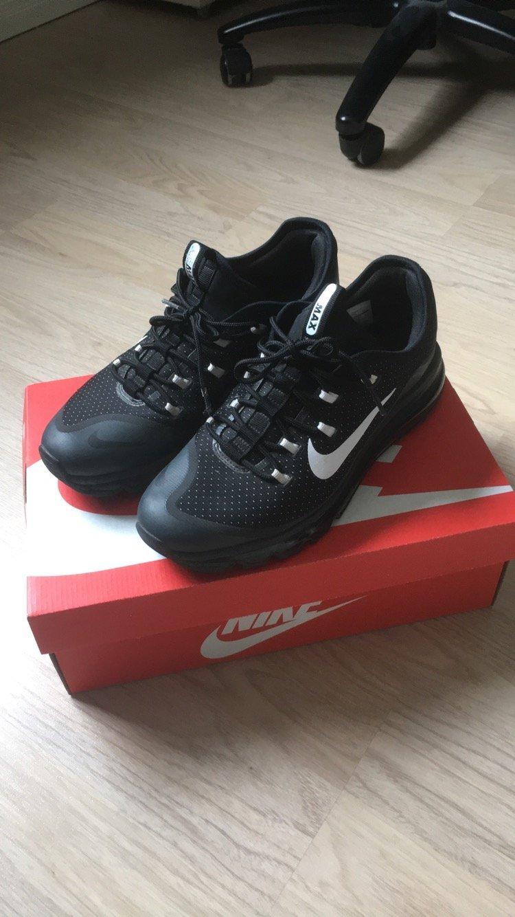 cheap for discount 599a1 18f7e Nike Air Max More - Black White
