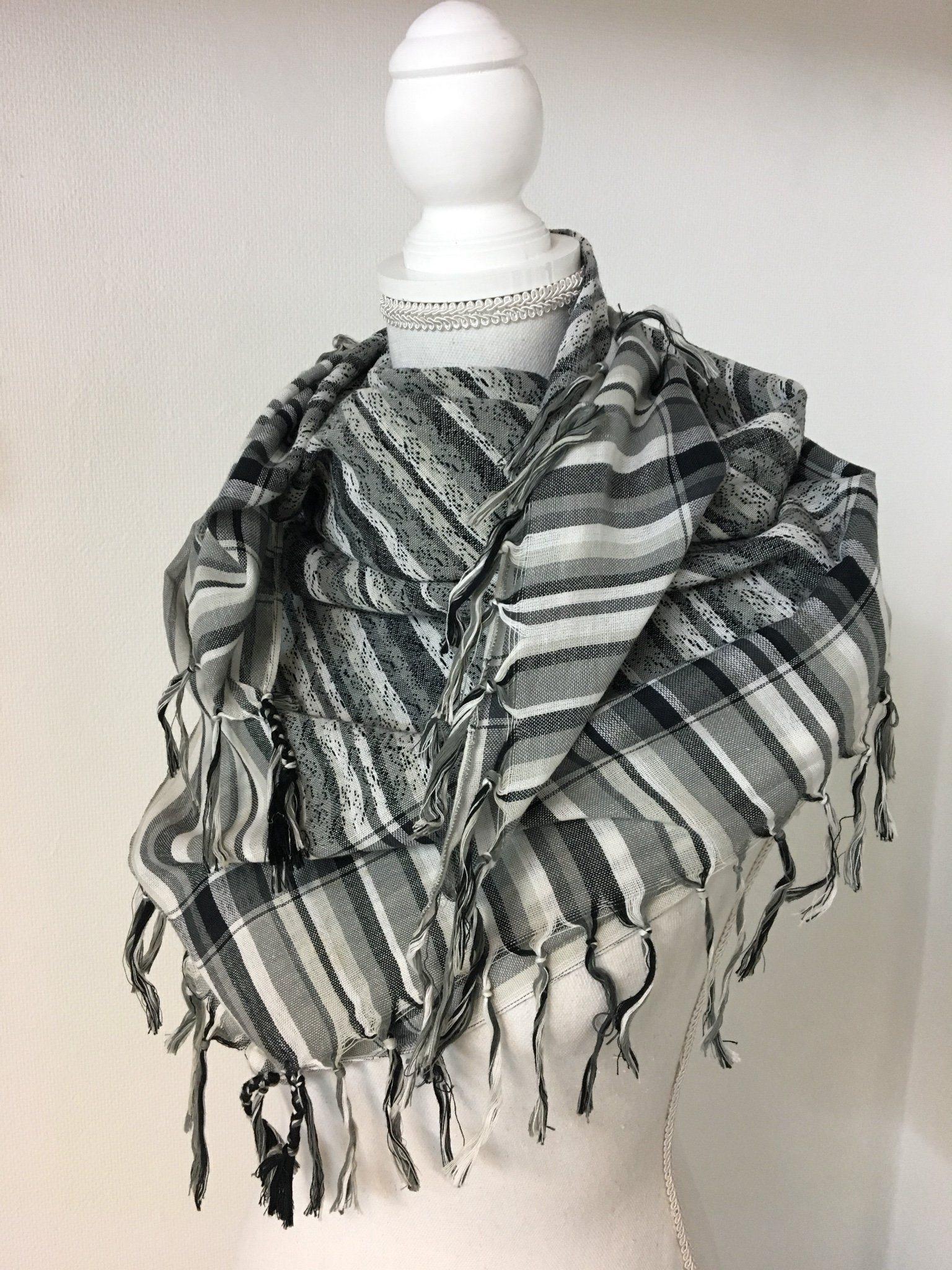 Snygg sjal halsduk svart grå vit med fransar (341400847) ᐈ Köp på ... 8620a8340da67