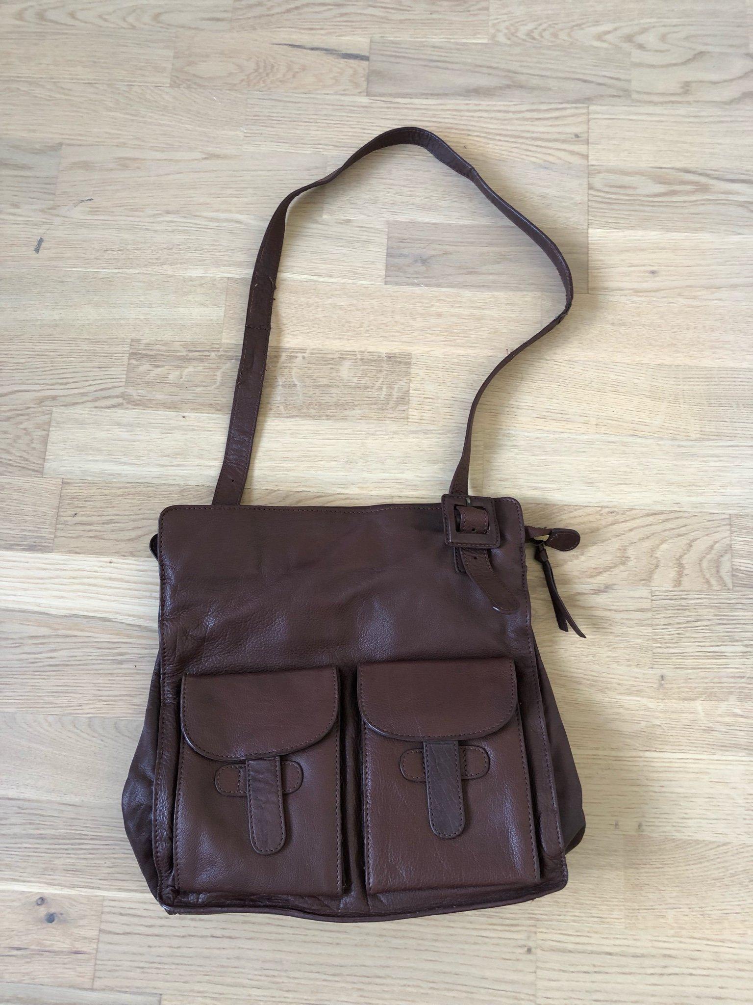 Brun läderskinnväska (358689980) ᐈ Köp på Tradera