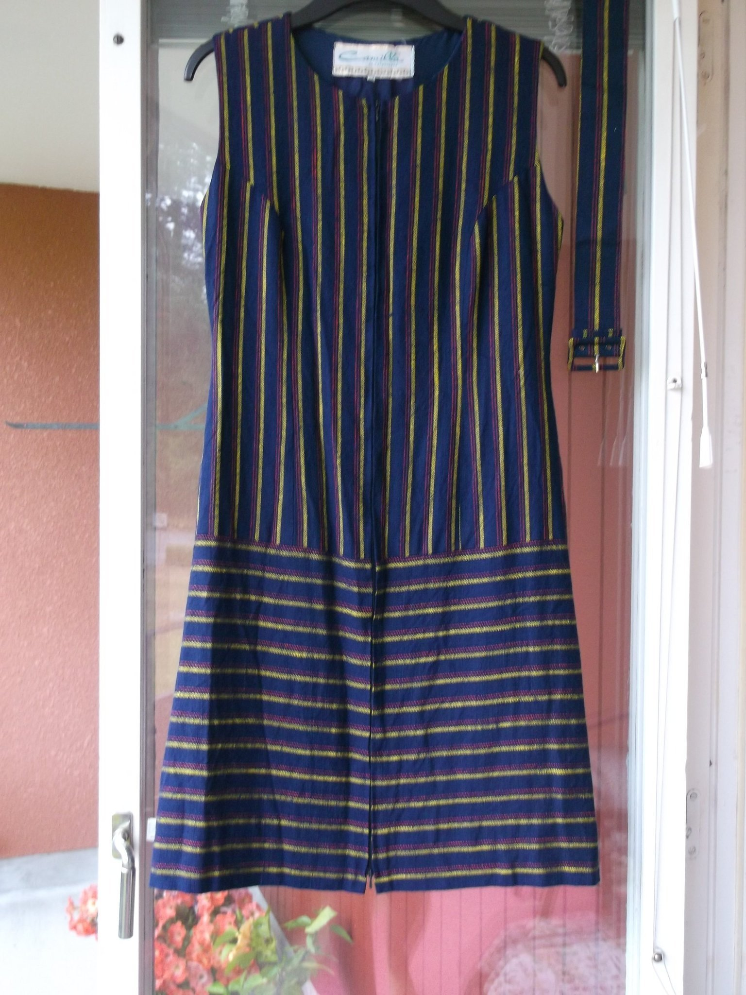 randig klänning gul blå