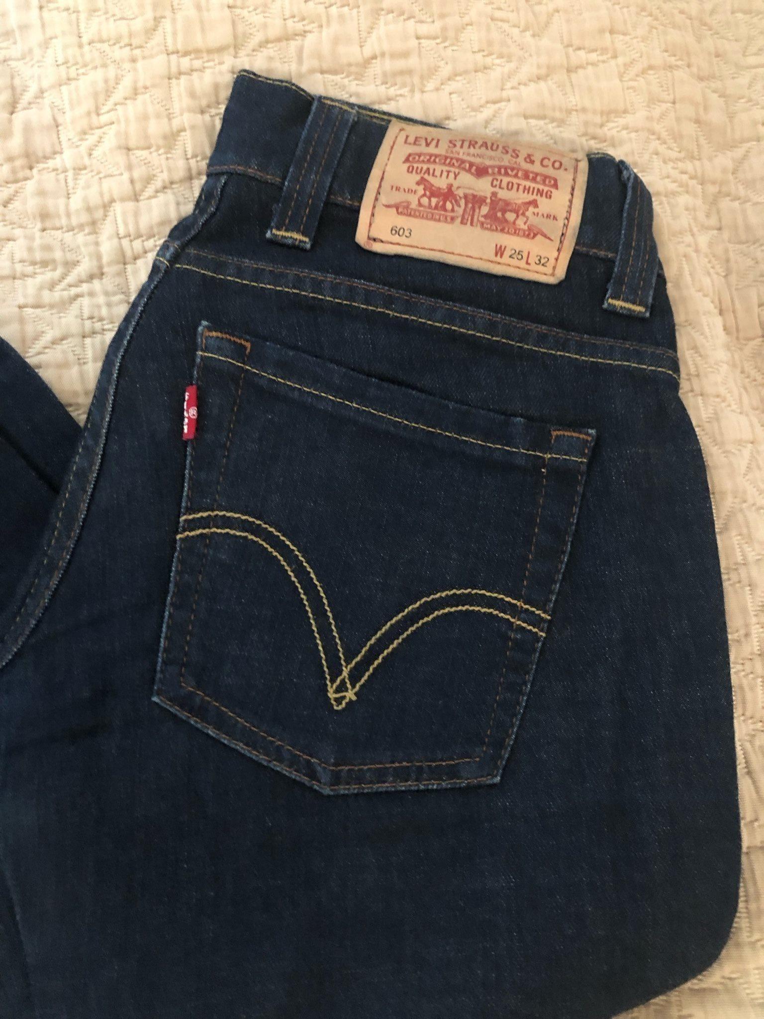 fb48340c181 Levis jeans i stl 25/32 (338740098) ᐈ Köp på Tradera