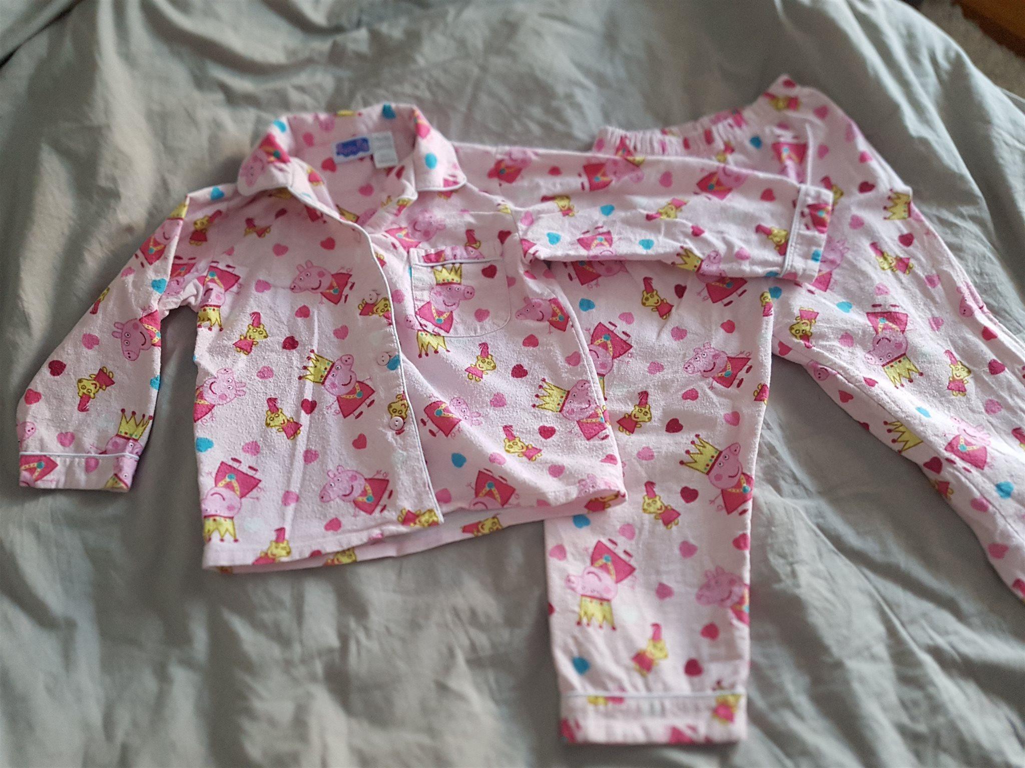 Peppa Pig Greta Gris flanell pyjamas Rosa super söt stl 4 ca 104 på a82e1e77d03c6