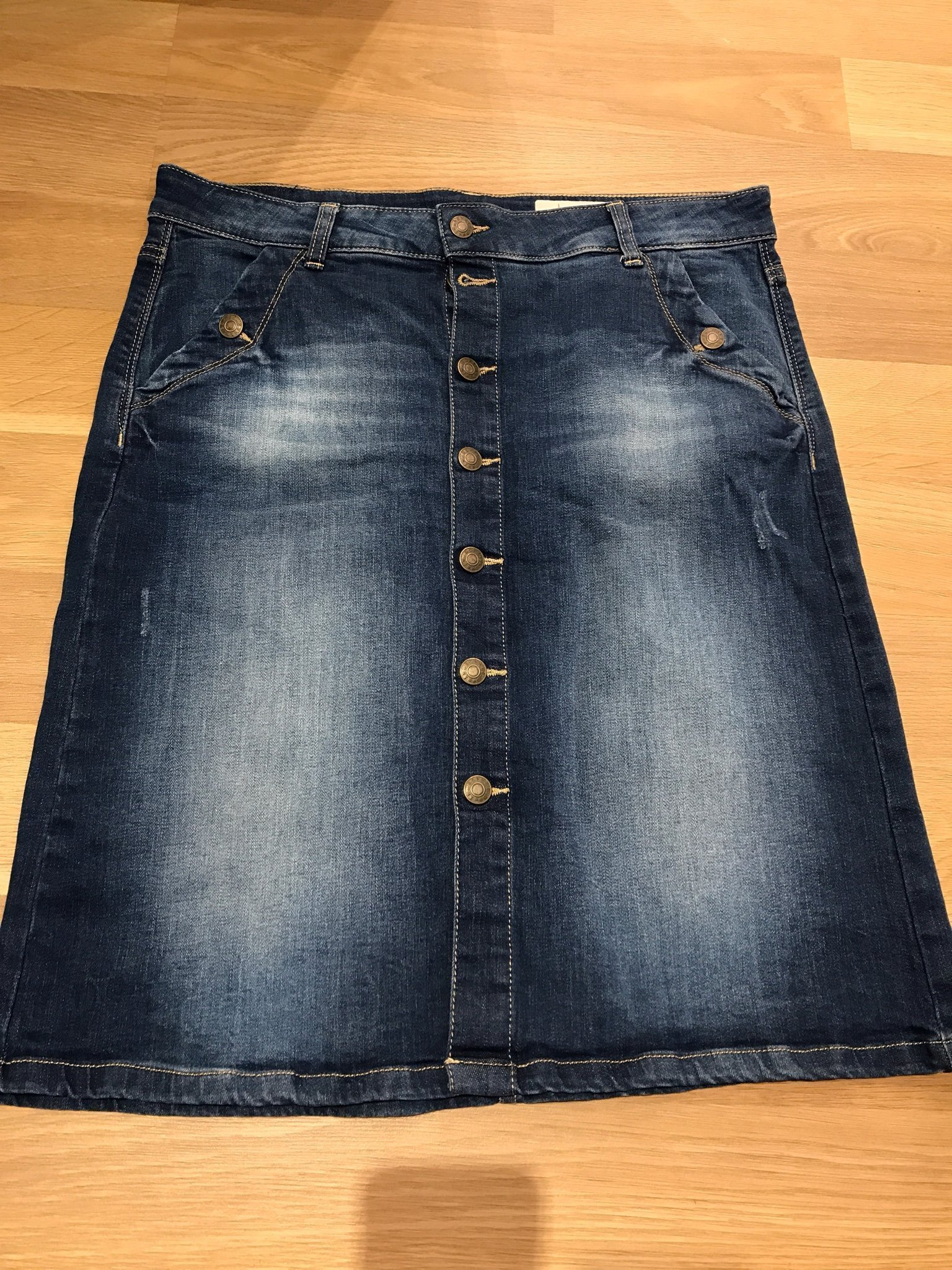 e5b356e029 jeans kjol Esprit stl 29 (38, M) (354486418) ᐈ Köp på Tradera