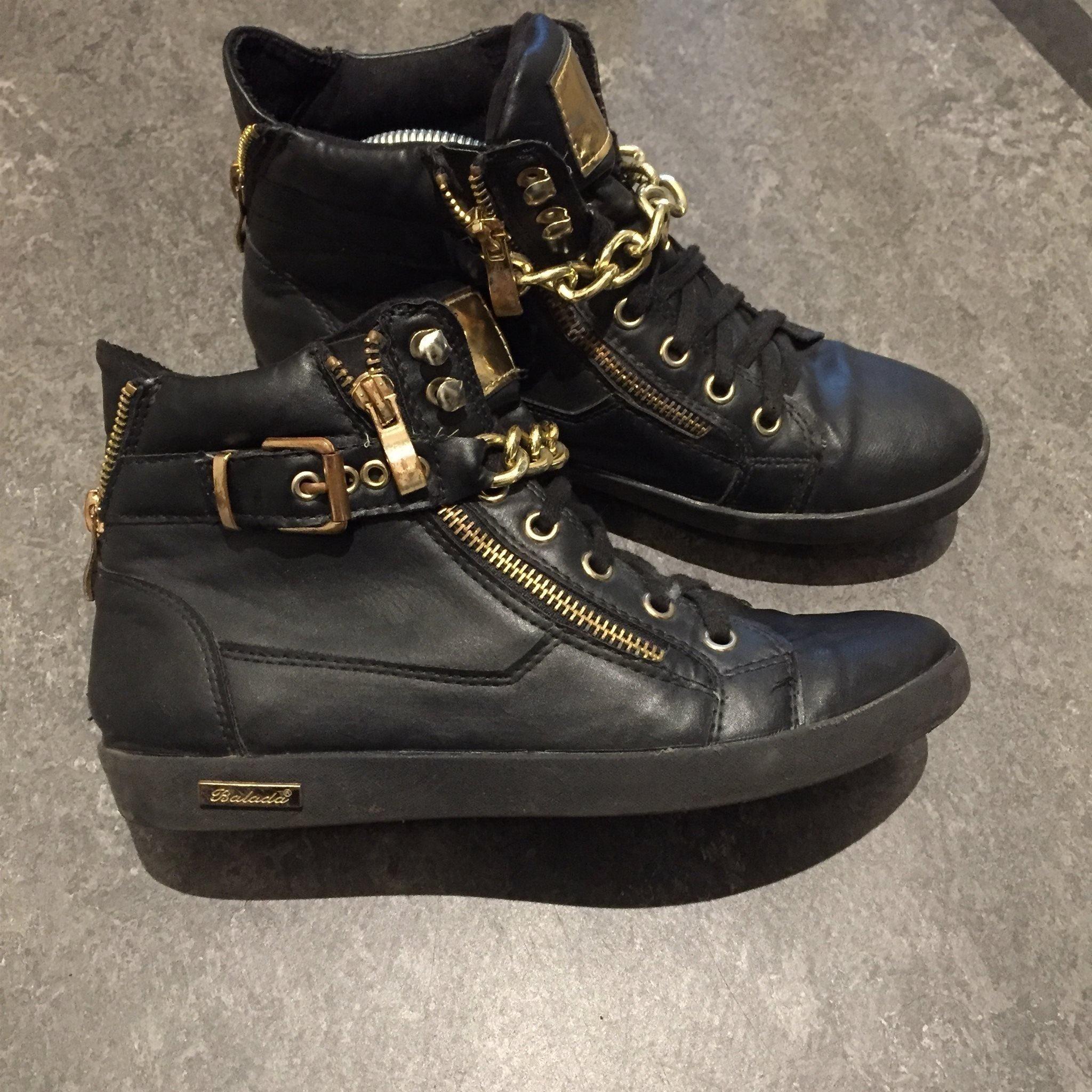 skor med kedja