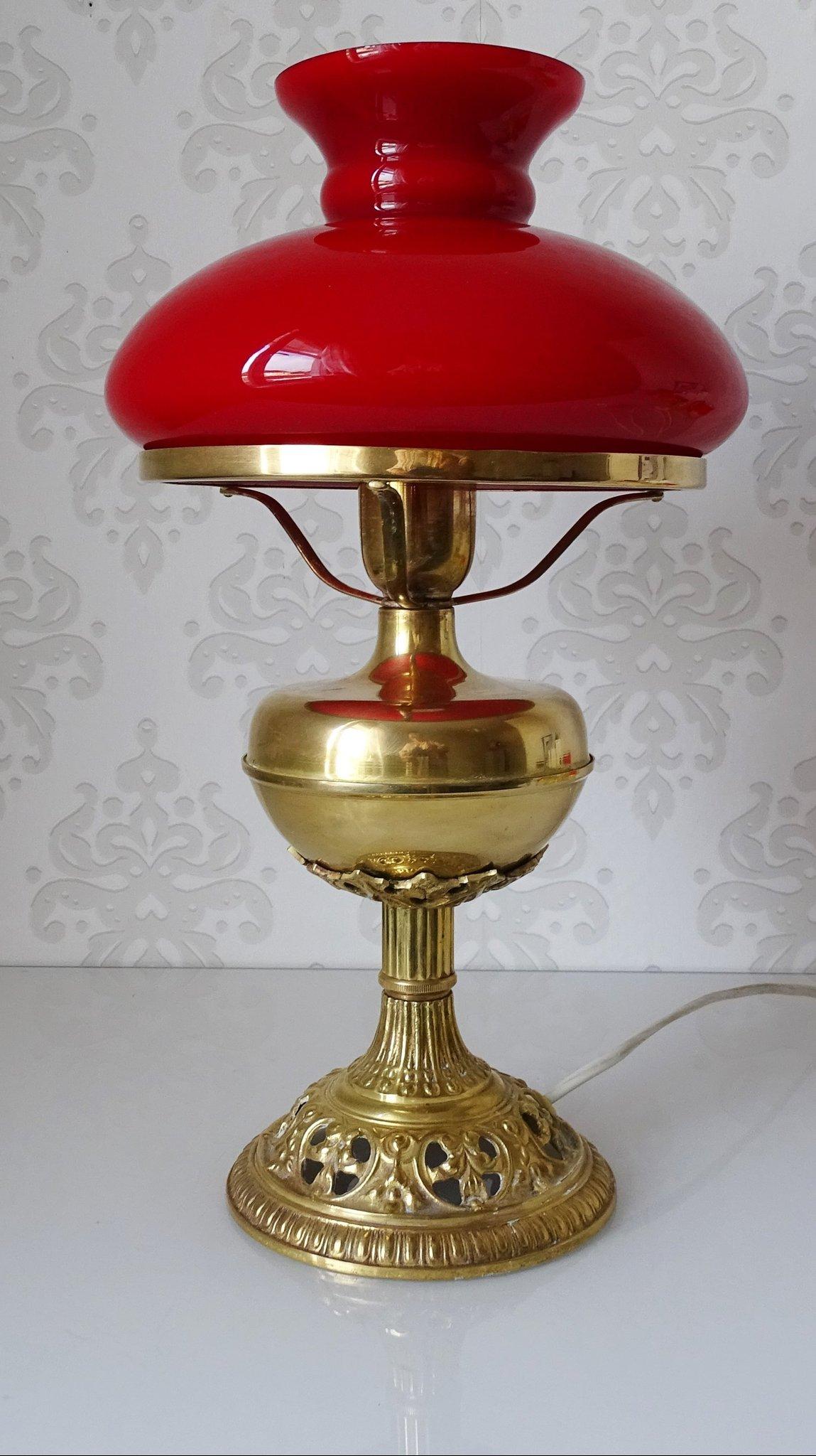 Gammal lampa i röd glas och mässing (418375466) ᐈ Köp på