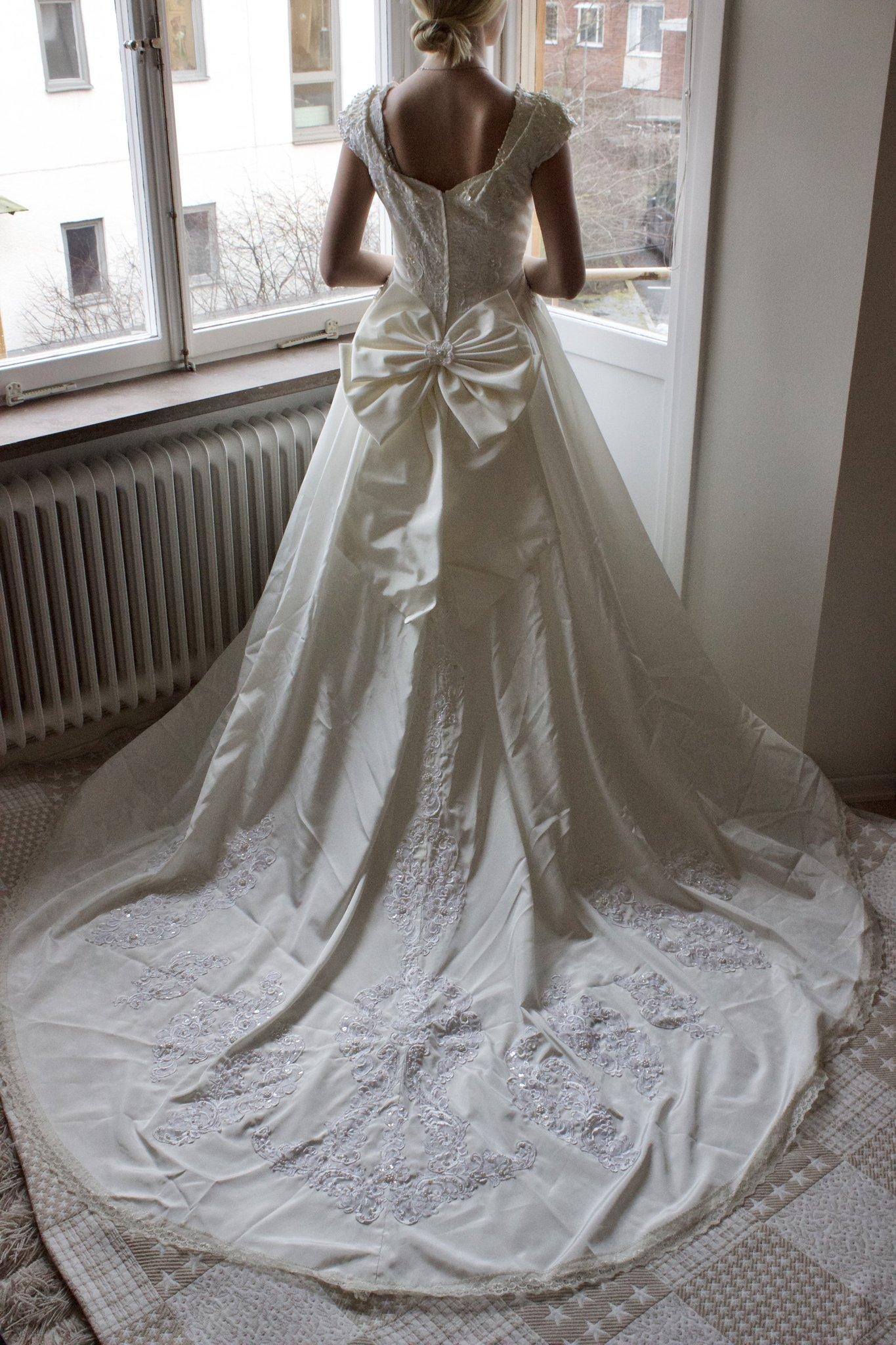 93c0bea3a97b Vintage brudklänning stl 36-38 (349543698) ᐈ Köp på Tradera