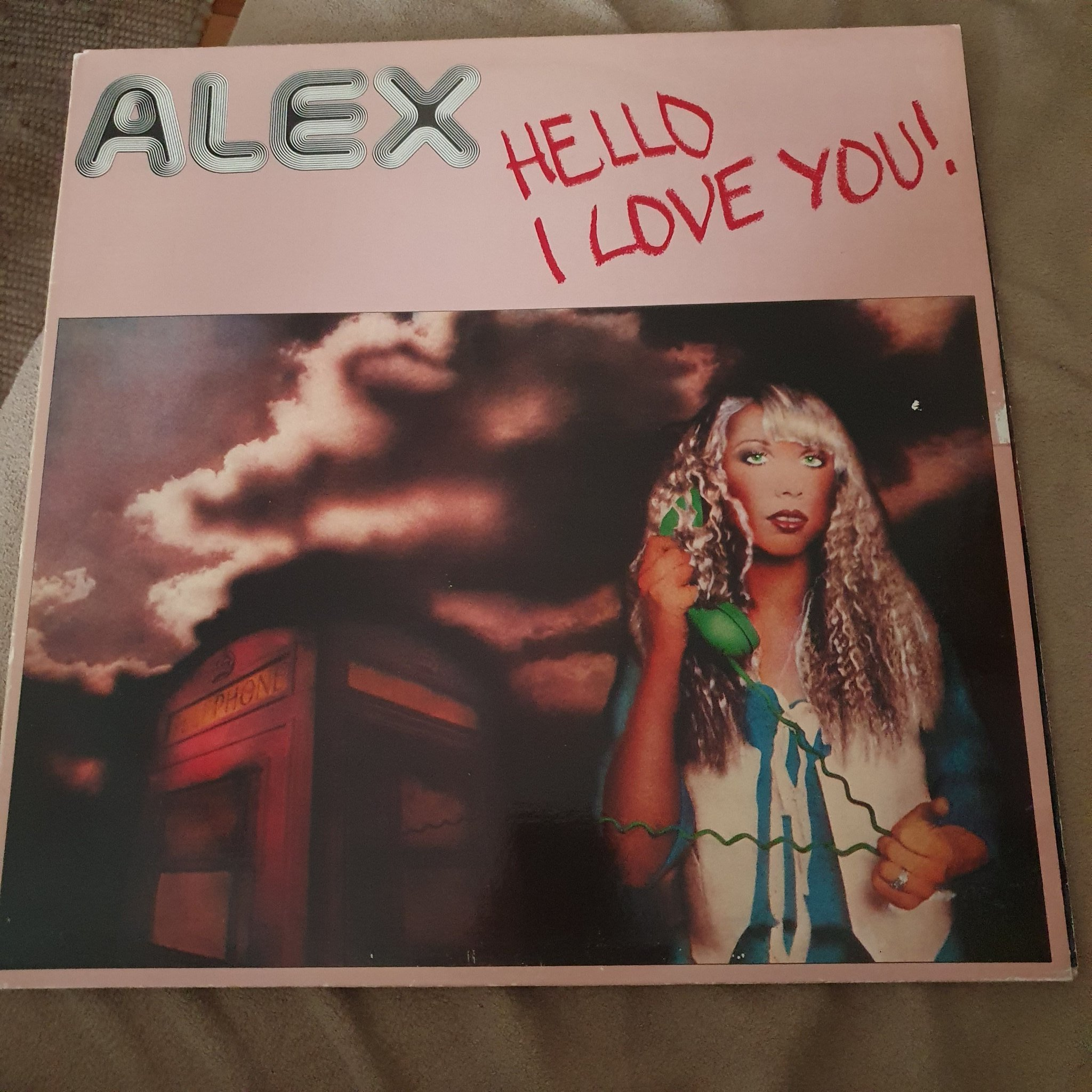 Alex : Hello I love you !