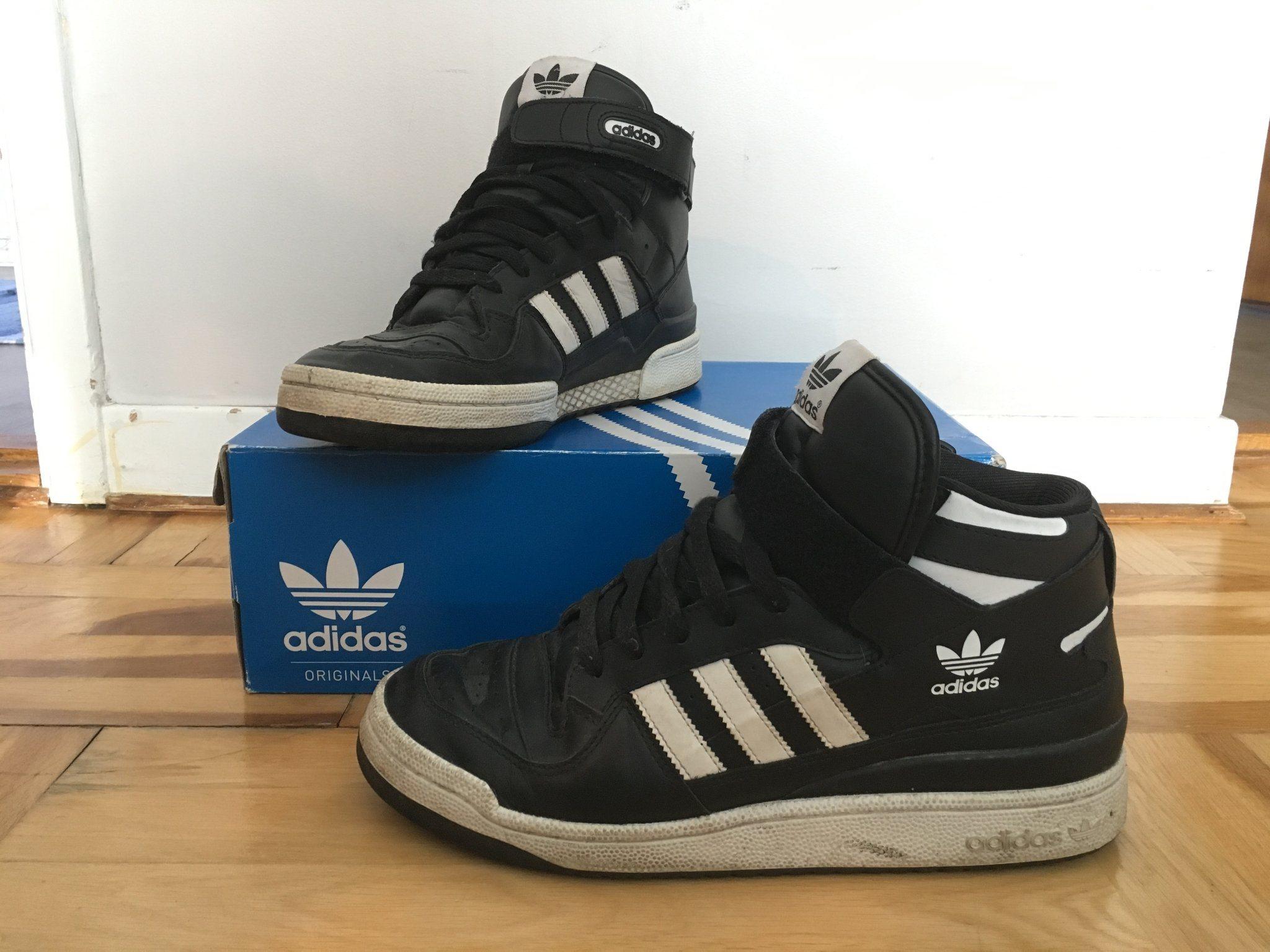 0c463a85fe3 Sneakers, Adidas, svarta med vita ränder. Storl.. (341516442) ᐈ Köp ...