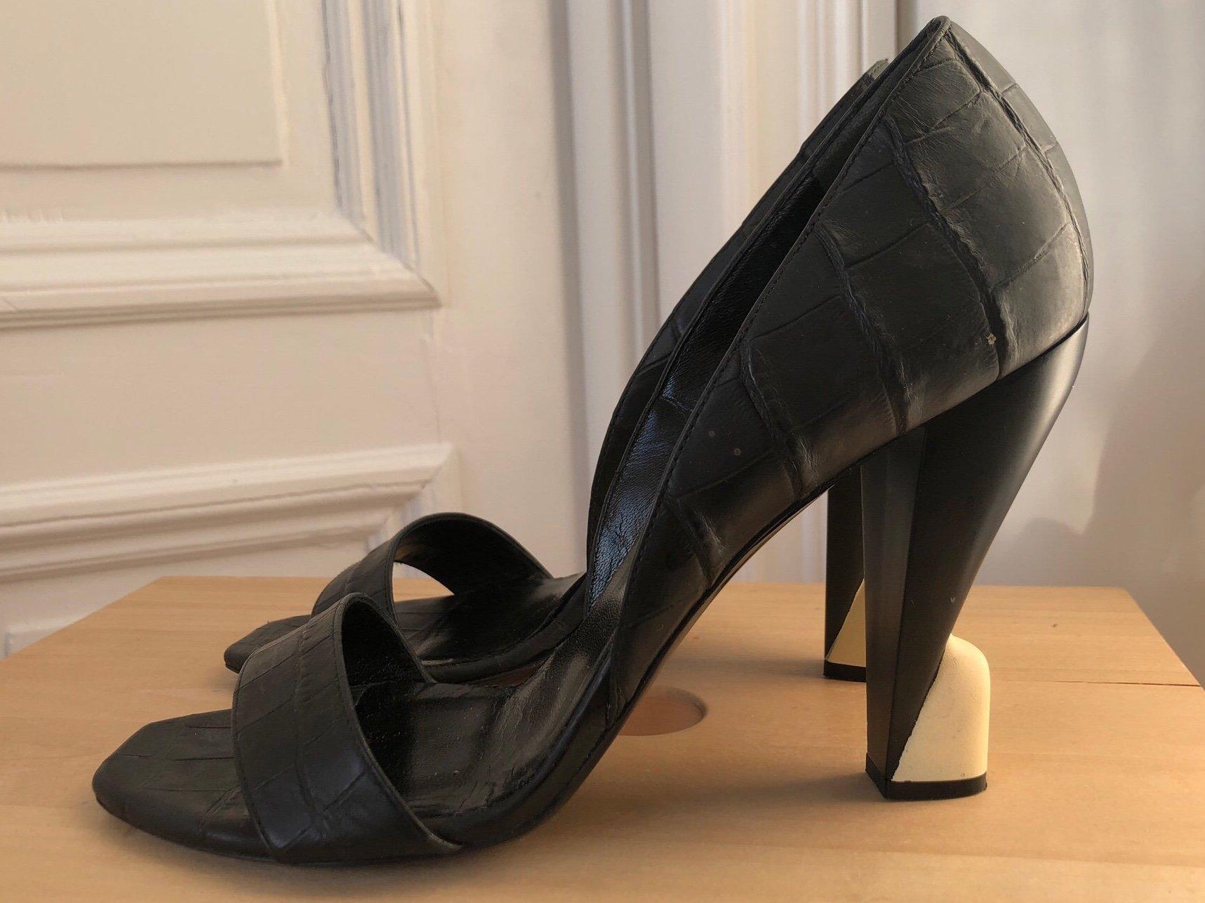 BALENCIAGA svarta öppna sandaler pumps skor läder skinn strl 39,5